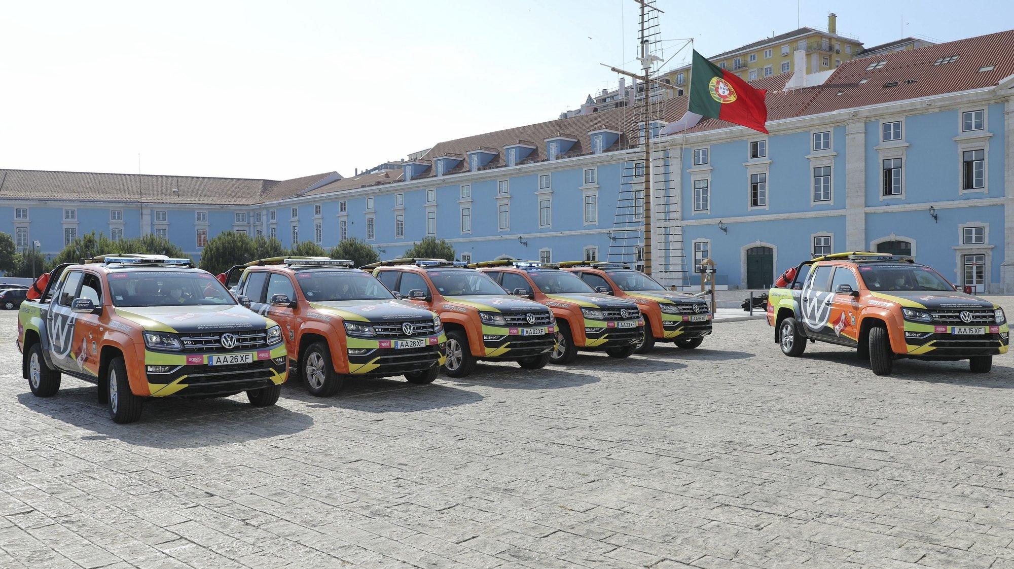 Viaturas AMAROK (todo-o-terreno) entregues hoje ao Instituto de Socorros a Náufragos numa cerimónia que contou com a presença do ministro da Defesa, João Gomes Cravinho (ausente da foto), Lisboa, 29 de maio de 2020. MIGUEL A. LOPES/LUSA