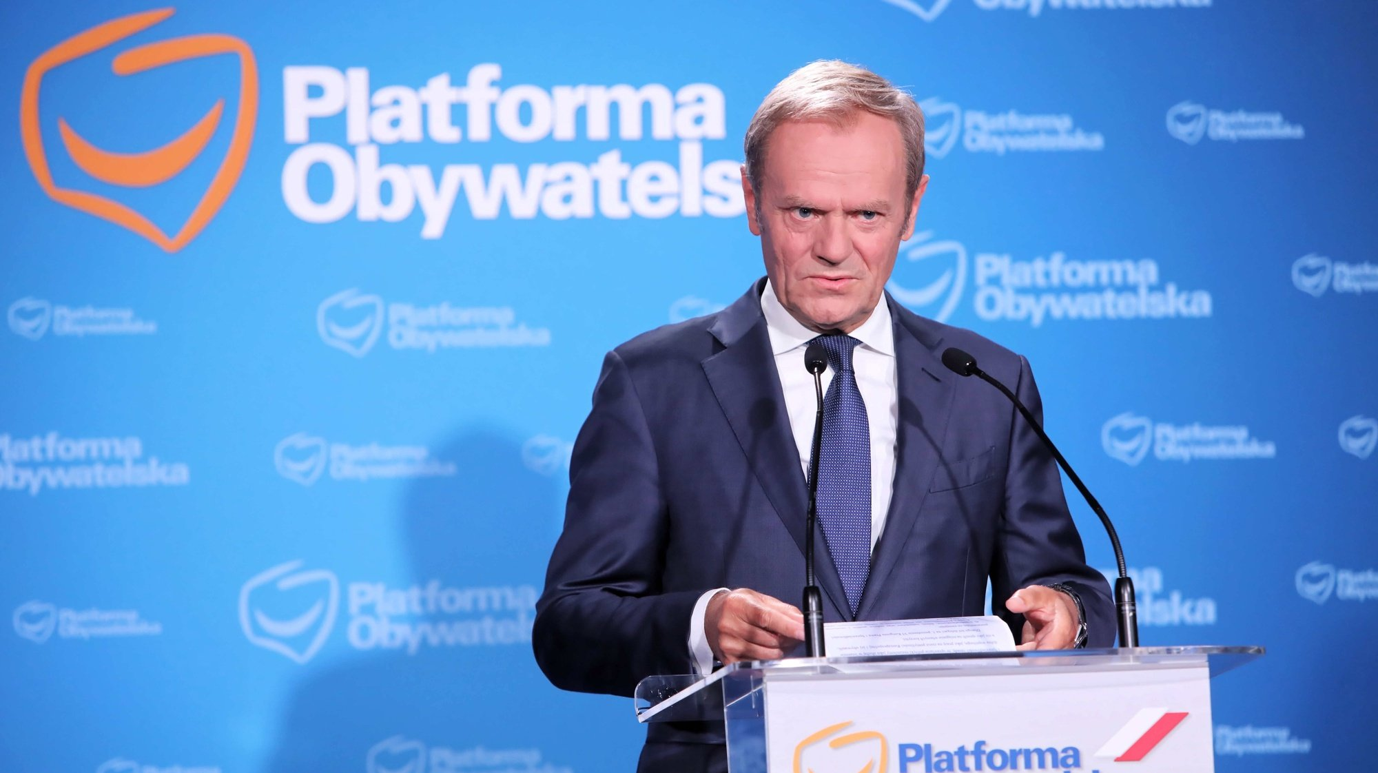 epa09322033 Leader of main opposition party Civic Platform Donald Tusk delivers a speech during a press conference in Warsaw, Poland, 04 July 2021. Tusk became leader of Civic Platform (PO), the main opposition party, following the resignation of Borys Budka on 03 July.  EPA/Wojciech Olkusnik POLAND OUT