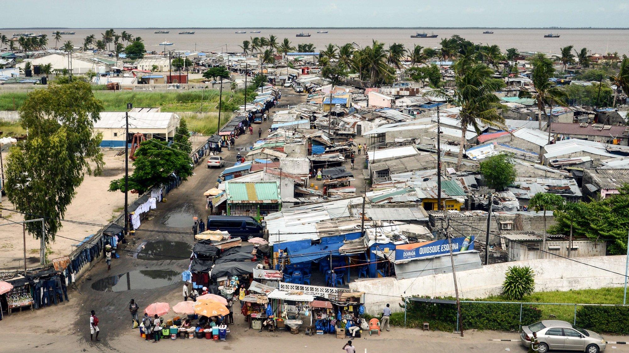 O bairro da Praia Nova um ano após os estragos do ciclone Idai em Moçambique, Beira, 28 de fevereiro de 2010. O ciclone Idai atingiu o cento de Moçambique em março de 2019, provocou 603 mortos e a cidade da Beira, uma das principais do país, foi severamente afetada. (ACOMPANHA TEXTO DE 11/03/2020)  ANTÓNIO SILVA/LUSA