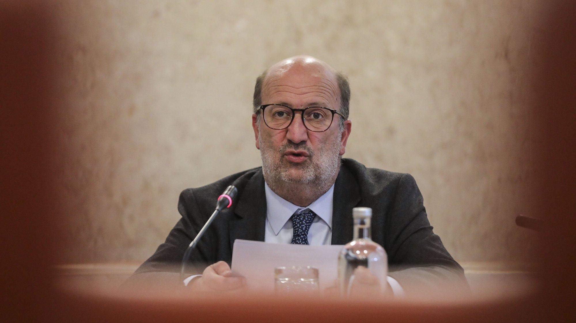 O ministro do Ambiente e Ação Climática, João Pedro Matos Fernandes, fala durante a sua audição na Comissão de Ambiente, Energia e Ordenamento do Território, na Assembleia da República, em Lisboa, 04 de maio de 2021. MIGUEL A. LOPES/LUSA