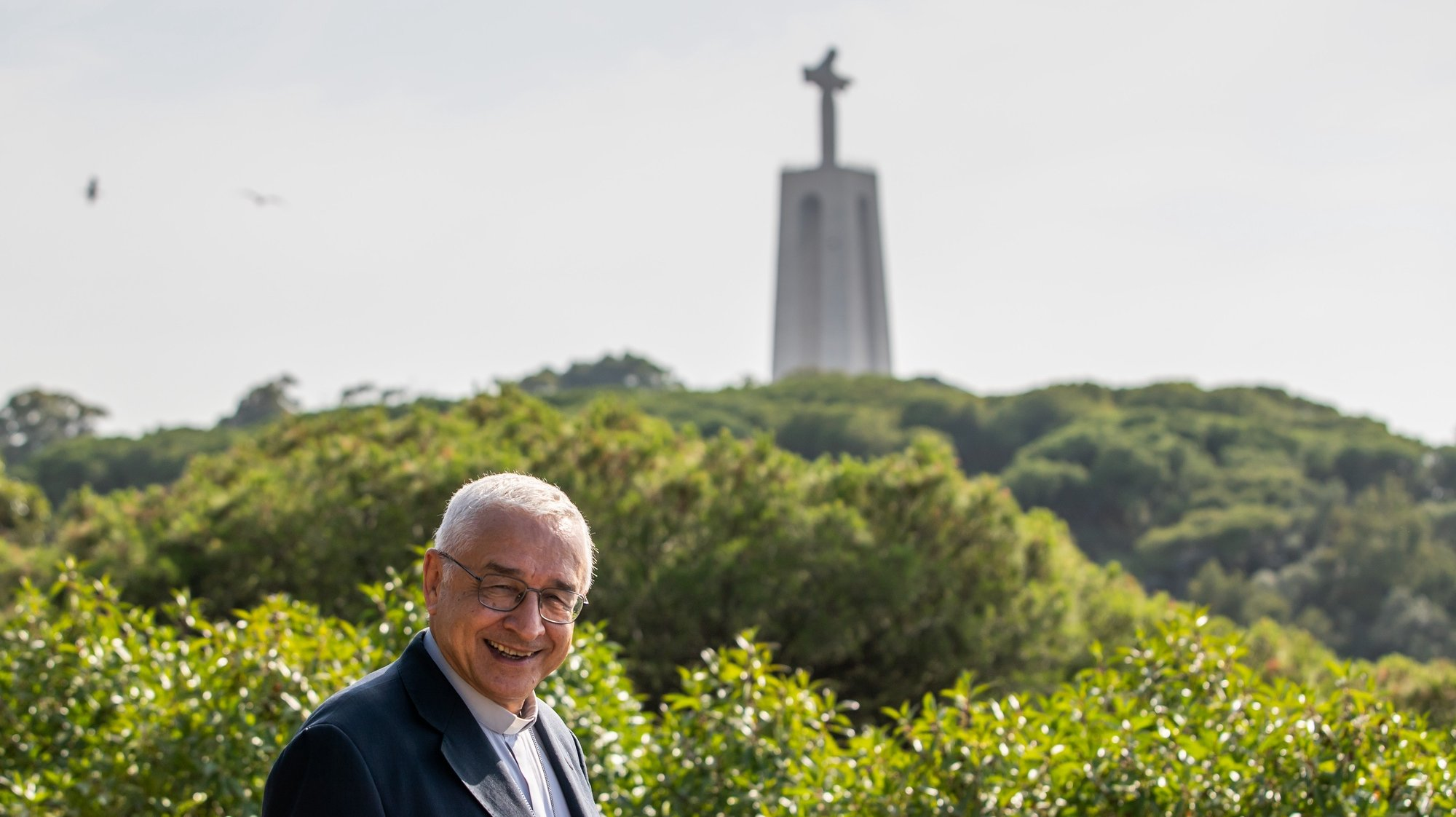 O bispo de Setúbal, José Ornelas, em entrevista à agência Lusa no Seminário de São Paulo de Almada, em Almada, 11 de junho de 2021. O presidente da Conferência Episcopal Portuguesa e bispo de Setúbal defende que é necessário que o Rendimento Social de Inserção seja cada vez mais associado à requalificação das pessoas. (ACOMPANHA TEXTO DA LUSA DO DIA 17 DE JUNHO DE 2021). JOSÉ SENA GOULÃO/LUSA