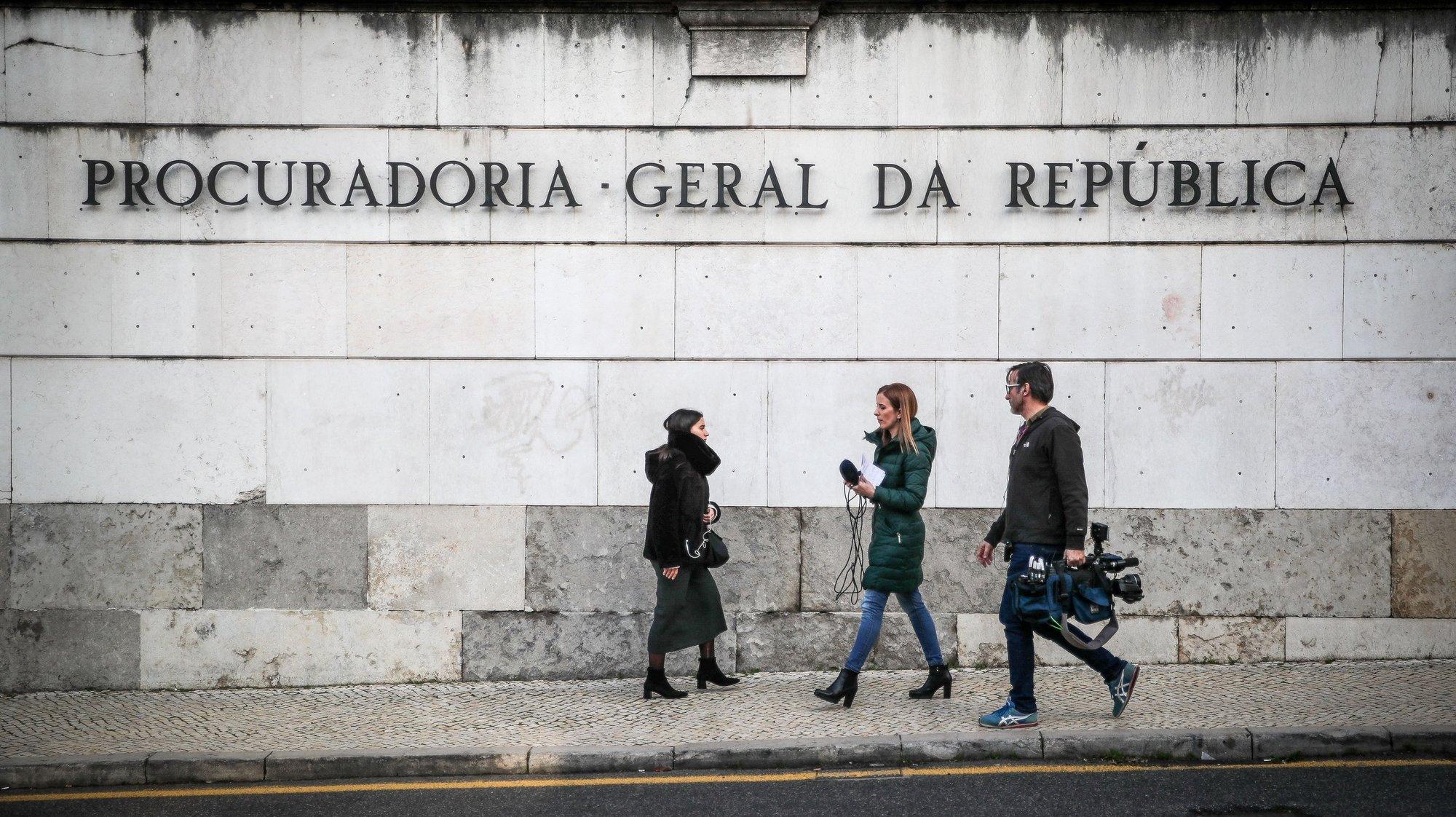 Fachada da Procuradoria-Geral da República onde o procurador-geral de Angola, Hélder Pitta Grós (ausente da fotografia), esteve reunido com a procuradora-geral da República portuguesa, Luícilia Gago (ausente da fotografia), em Lisboa, 23 de janeiro de 2020. Na quarta-feira, o procurador-geral angolano anunciou que a empresária Isabel dos Santos foi constituída arguida por alegada má gestão e desvio de fundos durante a passagem pela petrolífera estatal Sonangol. MÁRIO CRUZ/LUSA