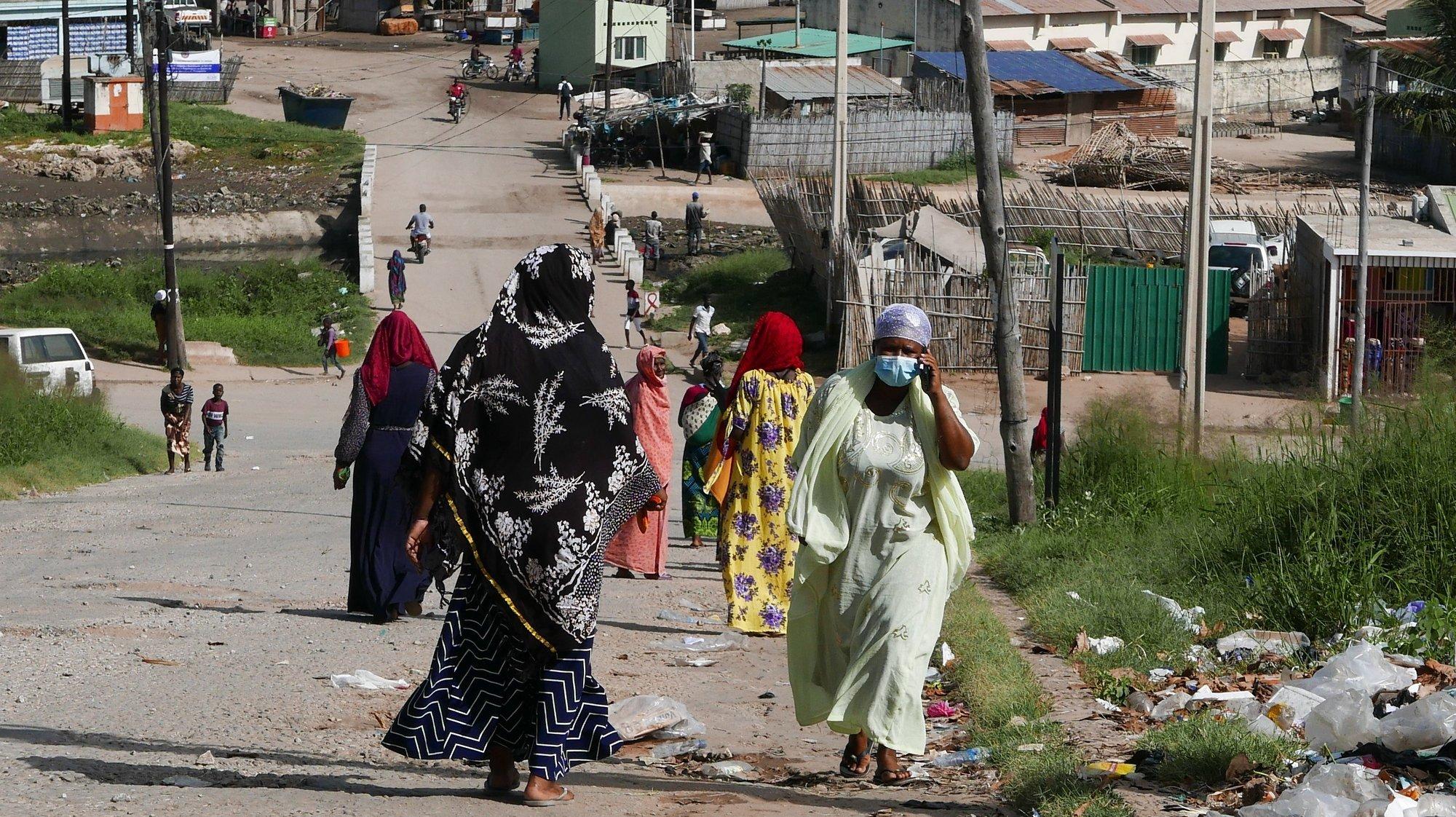 Deslocados de Palma, em Pemba, Moçambique, 02 de abril de 2021. LUÍS MIGUEL FONSECA/LUSA