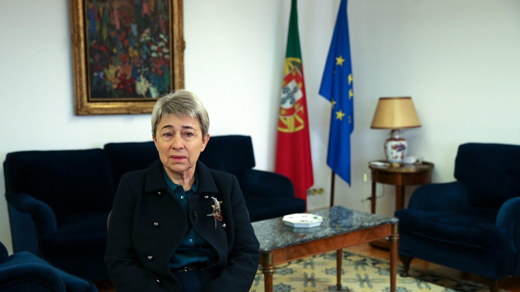 A secretária de Estado das Comunidades Portuguesas, Berta Nunes, durante a entrevista à Agência Lusa realizada no Ministério dos Negócios Estrangeiros, em Lisboa, 14 de dezembro de 2020. (ACOMPANHA TEXTO DE 16/12/2020)  MANUEL DE ALMEIDA/LUSA