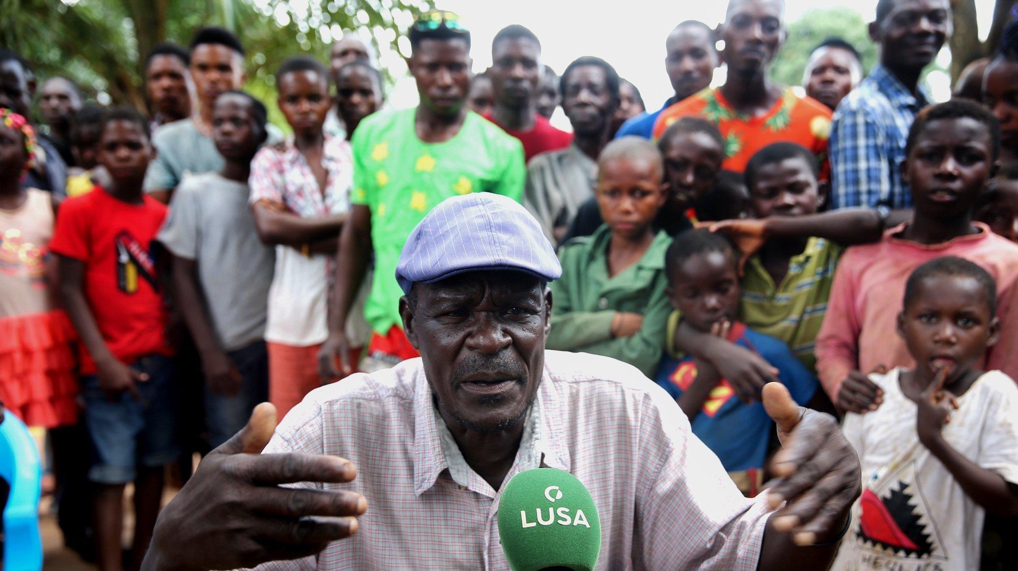 O soba, uma autoridade local em Angola, Afonso Muandumba, fala à agência Lusa sobre a violência ocorrida sábado e que resultou em vários mortos, no Cafunfo, Cuango, Lunda Norte, Angola, 04 de fevereiro de 2021. Os sobas da zona de Cafunfo pedem calma à população, depois da violência ocorrida sábado e que resultou em vários mortos, e afirmam que há estrangeiros envolvidos nos incidentes. (ACOMPANHA TEXTO DA LUSA DO DIA 05 DE FEVEREIRO DE 2021). AMPE ROGÉRIO/LUSA
