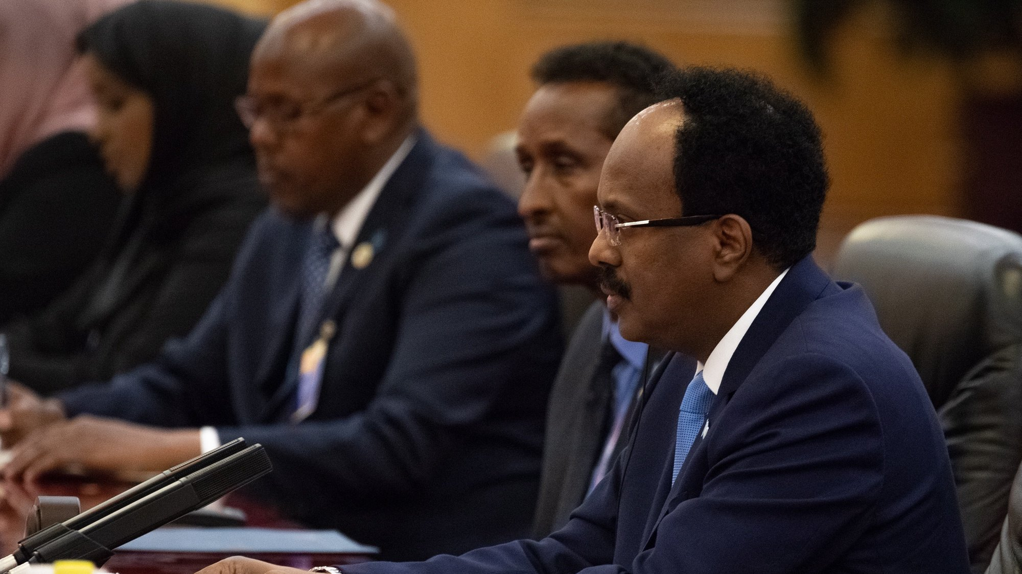 epa06985912 Somalia's President Mohamed Abdullahi Mohamed (R) during a bilateral meeting with China's President Xi Jinping (not pictured) at the Great Hall of the People in Beijing, China, 31 August 2018. Mohamed Abdullahi Mohamed is in China for the Forum on China-Africa Cooperation which will be held from 03 to 04 September in Beijing.  EPA/ROMAN PILIPEY / POOL