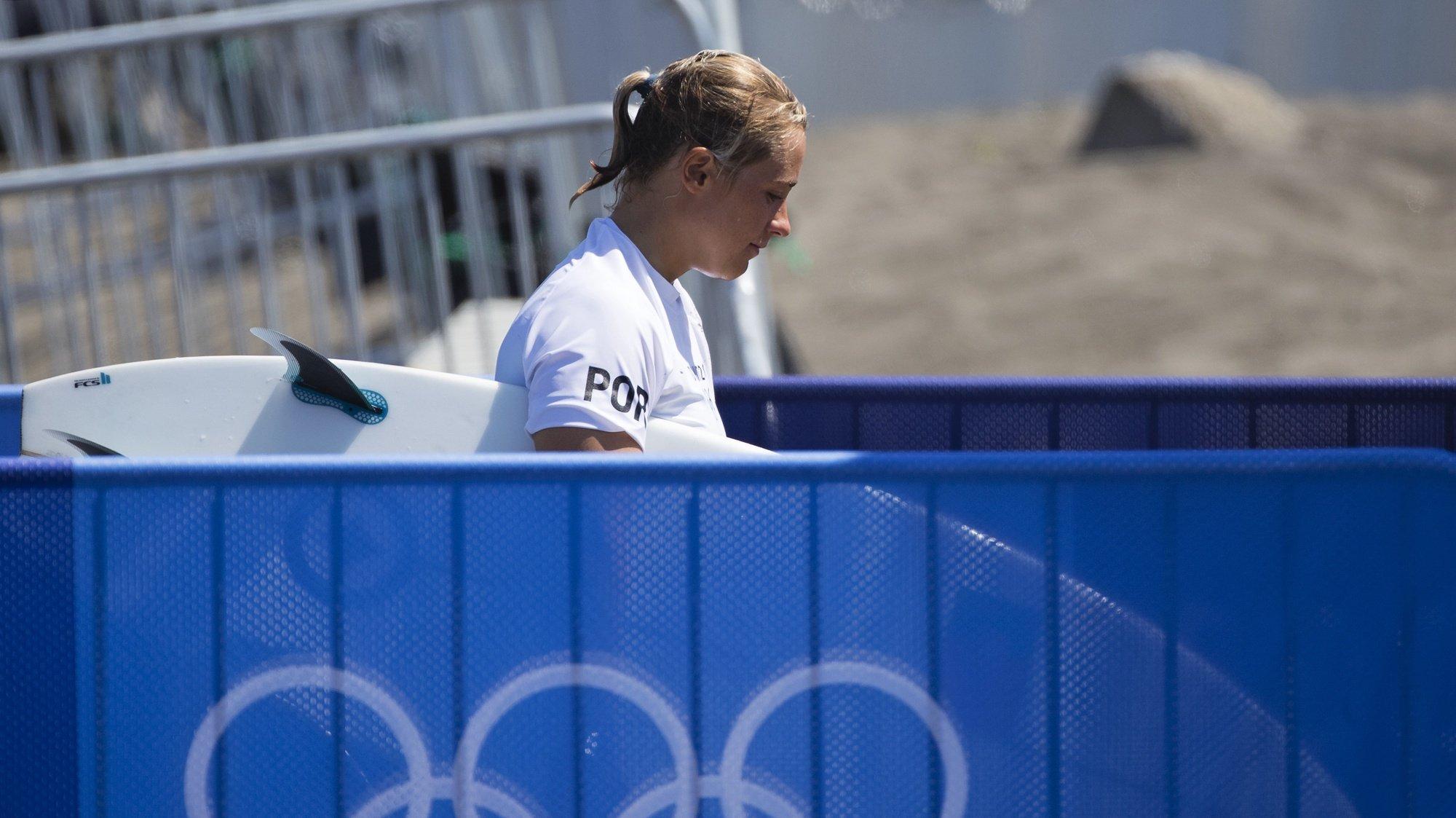 A portuguesa Yolanda Sequeira na primeira ronda do surf olímpico de Tóquio2020, na praia de Tsurigasaki, em Chiba, a cerca de 100 quilómetros de Tóquio, Japão, 25 de julho de 2021.  Yolanda Sequeira foi hoje relegada para a repescagem na prova de surf feminino dos Jogos Olímpicos Tóquio202JOSÉ COELHO/LUSA