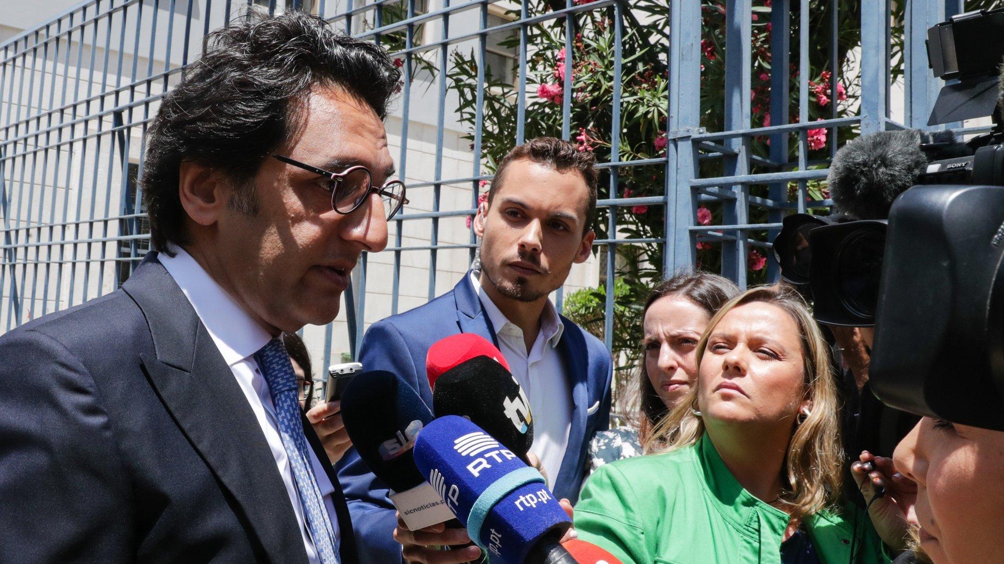 O antigo presidente da PT, Zeinal Bava, fala à imprensa à sua chegada ao Tribunal Central de Instrução Criminal em Lisboa para prestar declarações no âmbito da fase de instrução  da Operação Marquês, 26 de junho de 2019. TIAGO PETINGA/LUSA