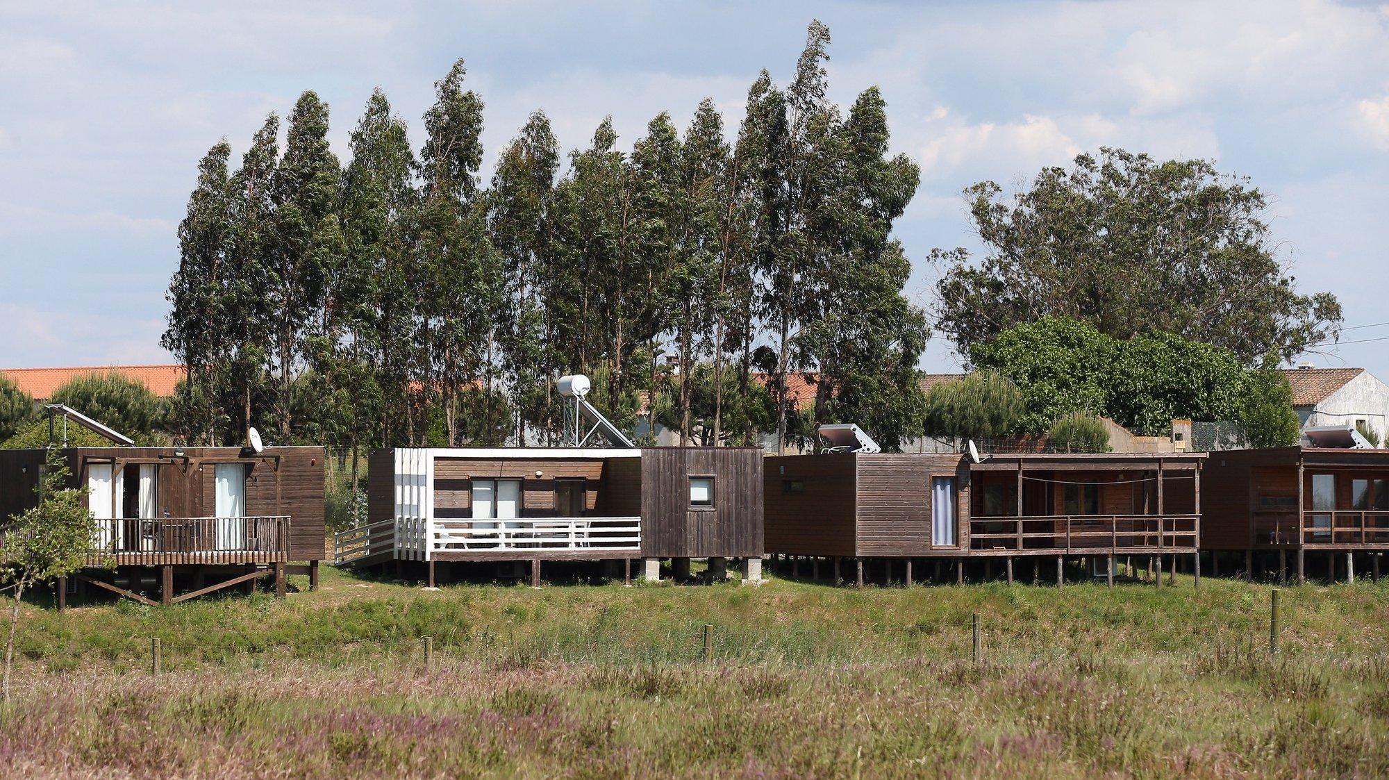 Casas no Zmar Eco Experience, complexo turistico alvo de requisição civíl pelo Governo para acolher pessoas que necessitem de isolamento profilático devido à covid-19, Odemira, 03 de maio de 2021. NUNO VEIGA/LUSA