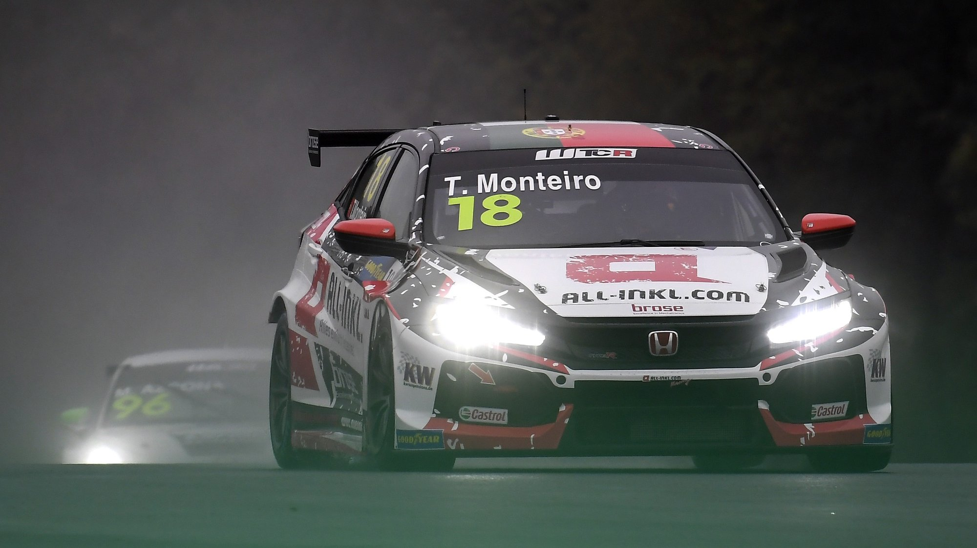 epa08752351 Portuguese Tiago Monteiro of ALL-INKL.DE Muennich Motorsport steers his Honda Civic TCR car during the first heat of Race of Hungary of World Touring Car Cup (WTCR) on the Hungaroring circuit in Mogyorod, Hungary, 17 October 2020.  EPA/Tamas Kovacs HUNGARY OUT
