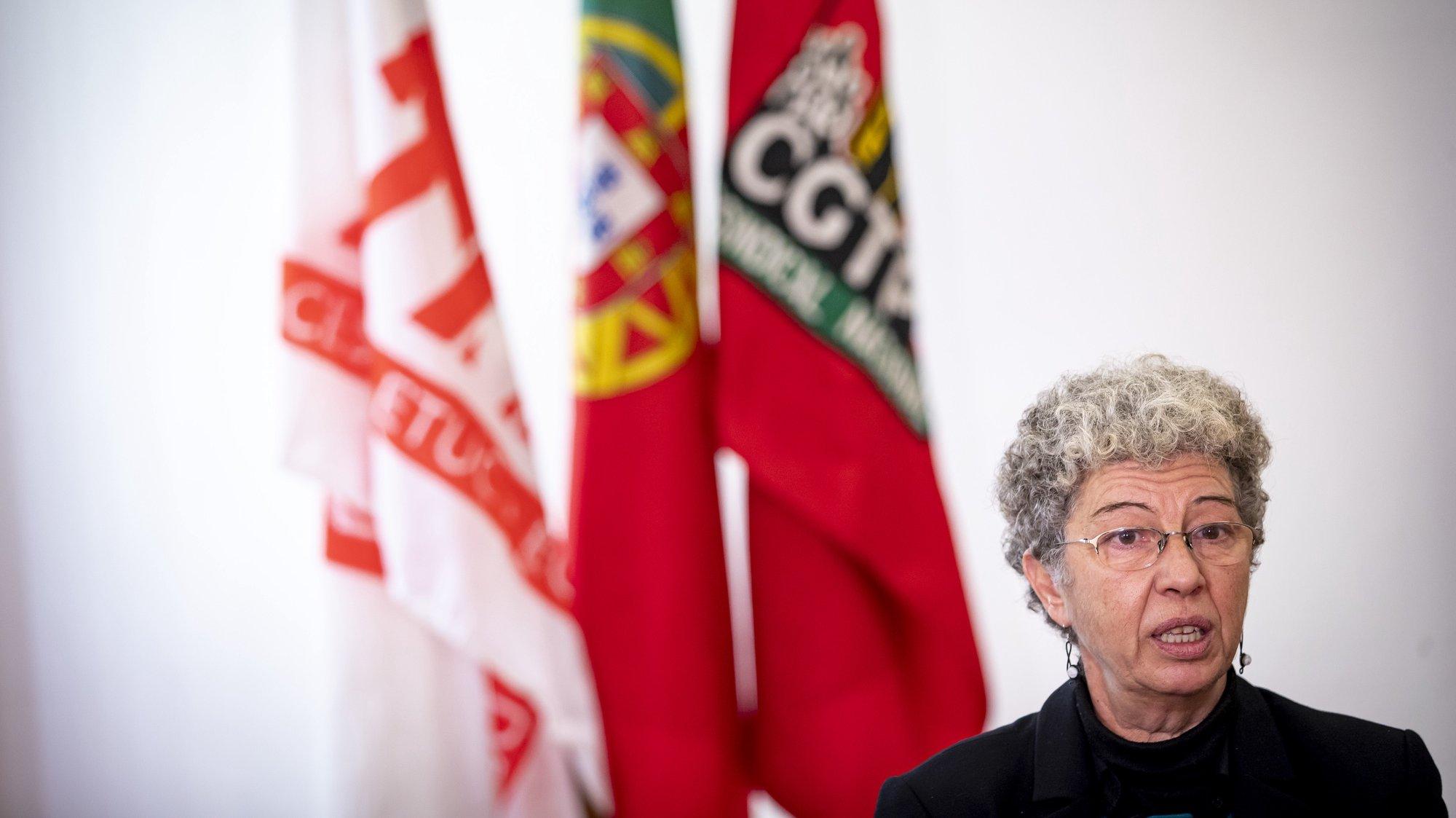 A secretária-geral da CGTP-IN, Isabel Camarinha, fala durante uma entrevista à agência Lusa por ocasião do seu primeiro ano no cargo, na sede da CGTP-IN, em Lisboa, 11 de fevereiro de  2021. JOSÉ SENA GOULÃO/LUSA