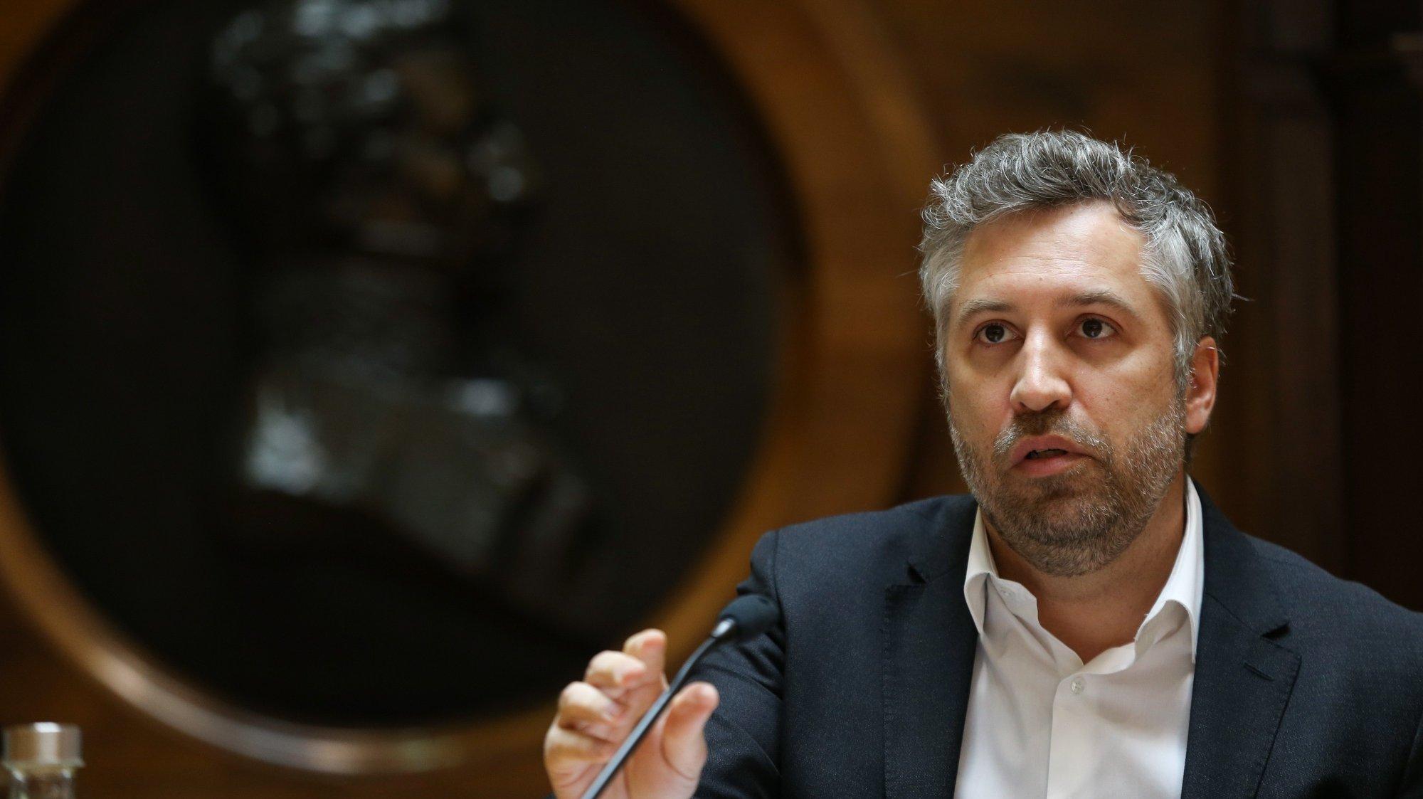 O ministro das Infraestruturas e Habitação, Pedro Nuno Santos, durante audição na Comissão de Economia, Inovação, Obras Públicas e Habitação na Assembleia da República,  em Lisboa, 18 de maio de 2021.   MANUEL DE ALMEIDA/LUSA