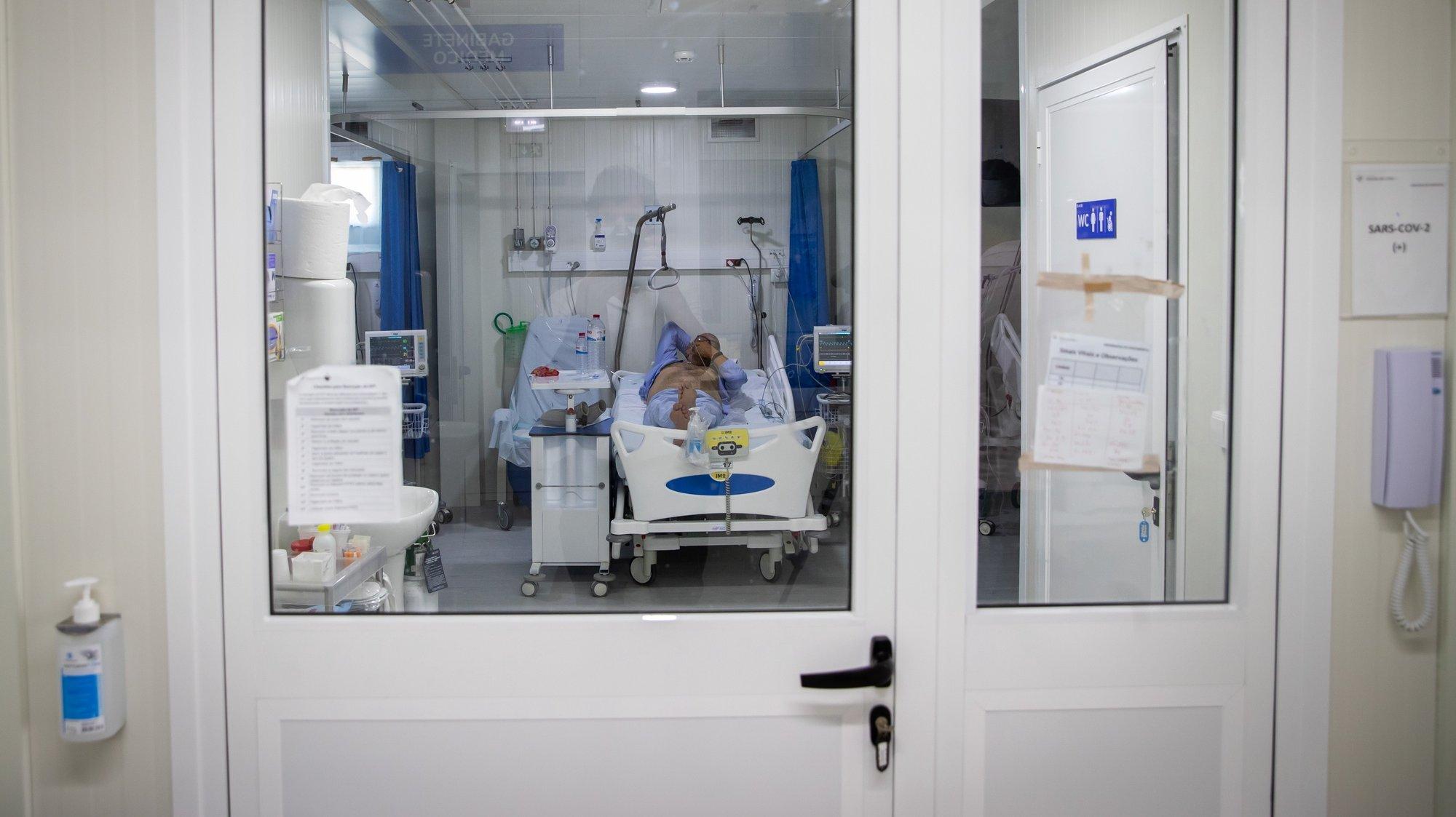 Quarto de pacientes em isolamento devido à Covid19-, na Enfermaria de isolamento do Hospital Garcia de Orta, em Almada, 21 de julho de 2021. JOSÉ SENA GOULÃO/LUSA (ACOMPANHA TEXTO DE 24/07/2021)