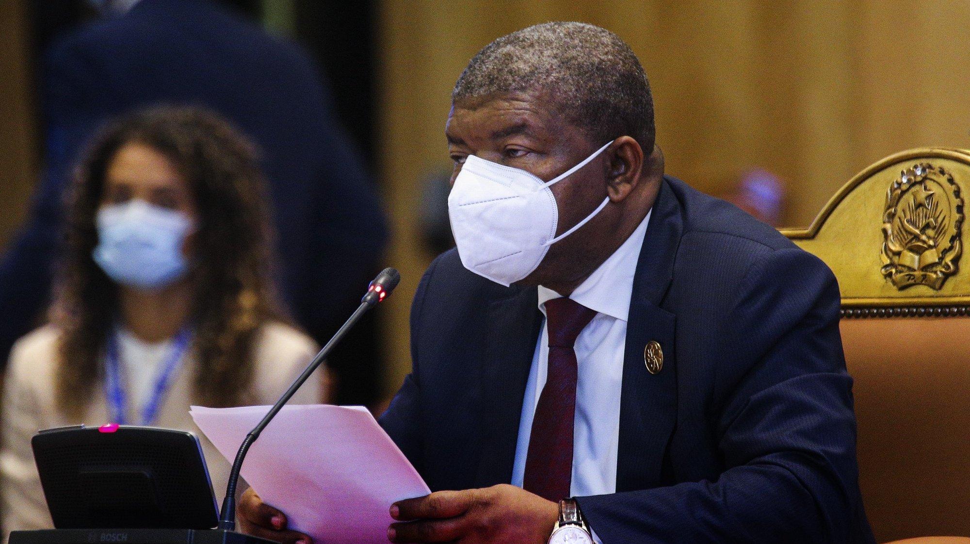 O Presidente da República de Angola, João Lourenço, intervém durante a XIII Conferência de Chefes de Estado e de Governo da Comunidade dos Países de Língua Portuguesa (CPLP), em Luanda, Angola, 17 de julho de 2021. AMPE ROGÉRIO/LUSA