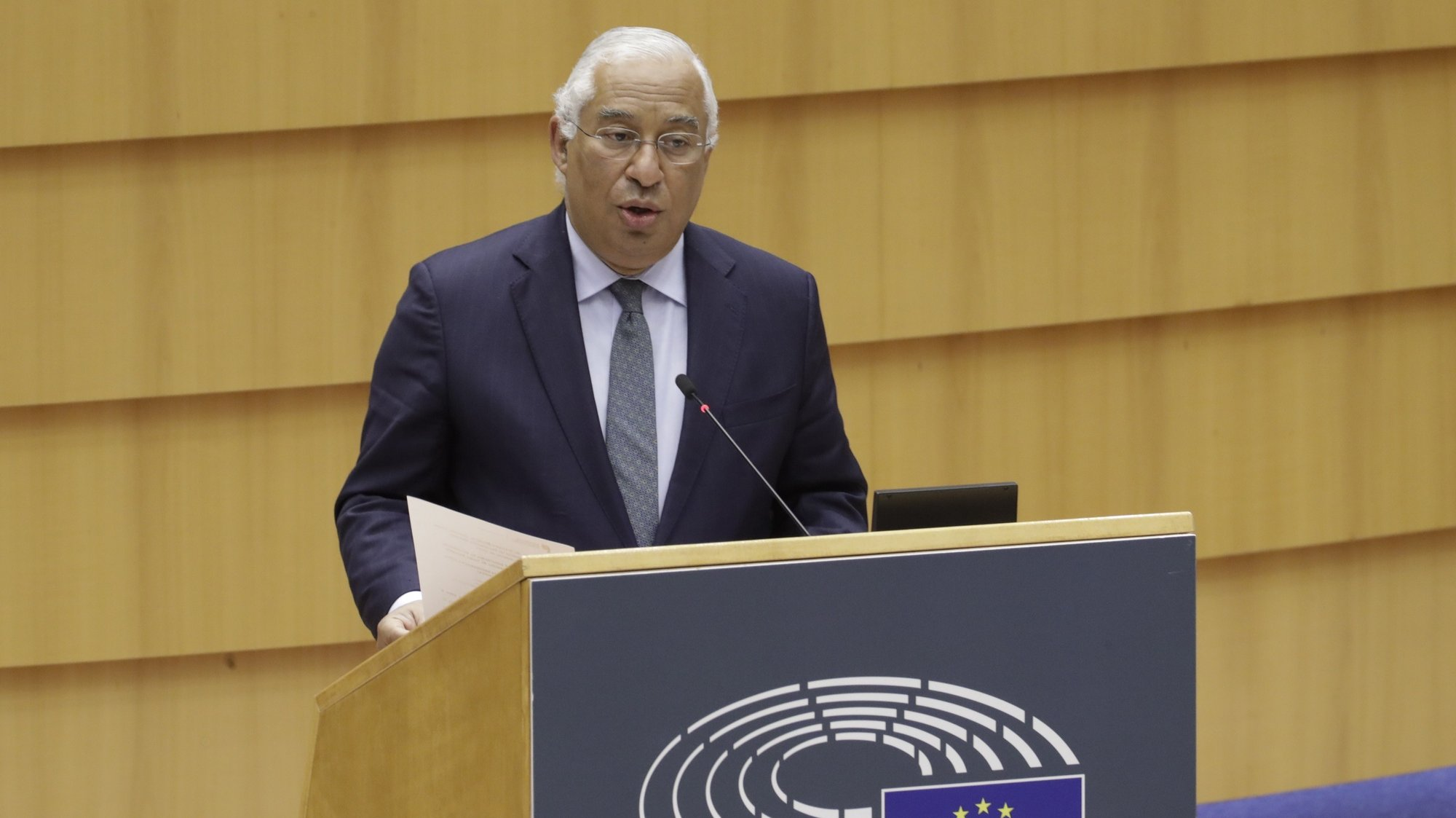 epa08950929 Portuguese Prime Minister Antonio Costa speaks during debate to present the programme of activities of the Portuguese presidency of the EU at plenary session of the European Parliament, in Brussels, Belgium, 20 January 2021.  EPA/OLIVIER HOSLET