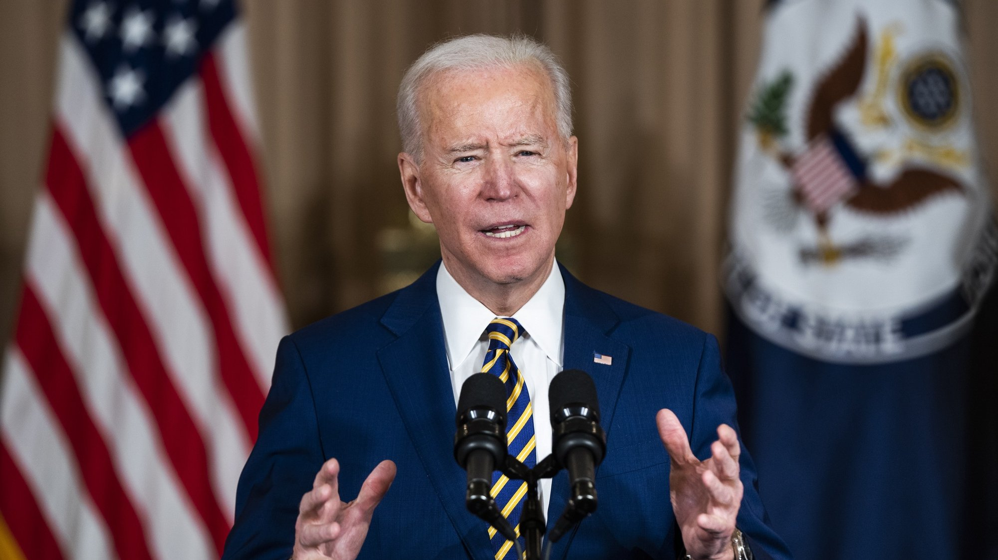 epa08987639 US President Joe Biden makes a foreign policy speech at the State Department in Washington, DC, USA, 04 February 2021. Biden announced that he is ending US support for the Saudi's offensive operations in Yemen.  EPA/JIM LO SCALZO