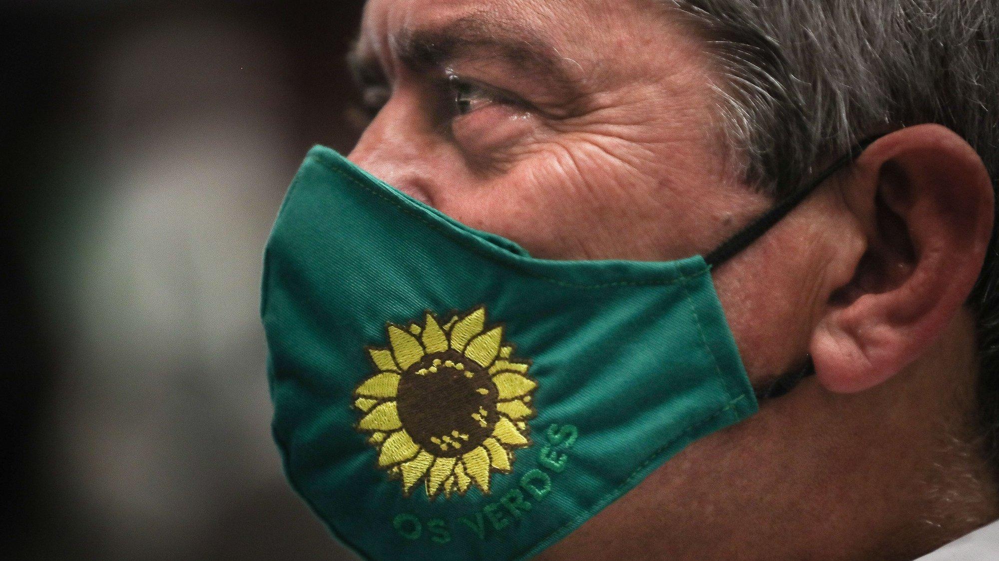 """O deputado José Luis Ferreira durante a sessão de encerramento da 15ª Convenção do Partido Ecologista """"Os Verdes"""", no Fórum Lisboa, em Lisboa, 23 de maio de 2021. MÁRIO CRUZ/LUSA"""