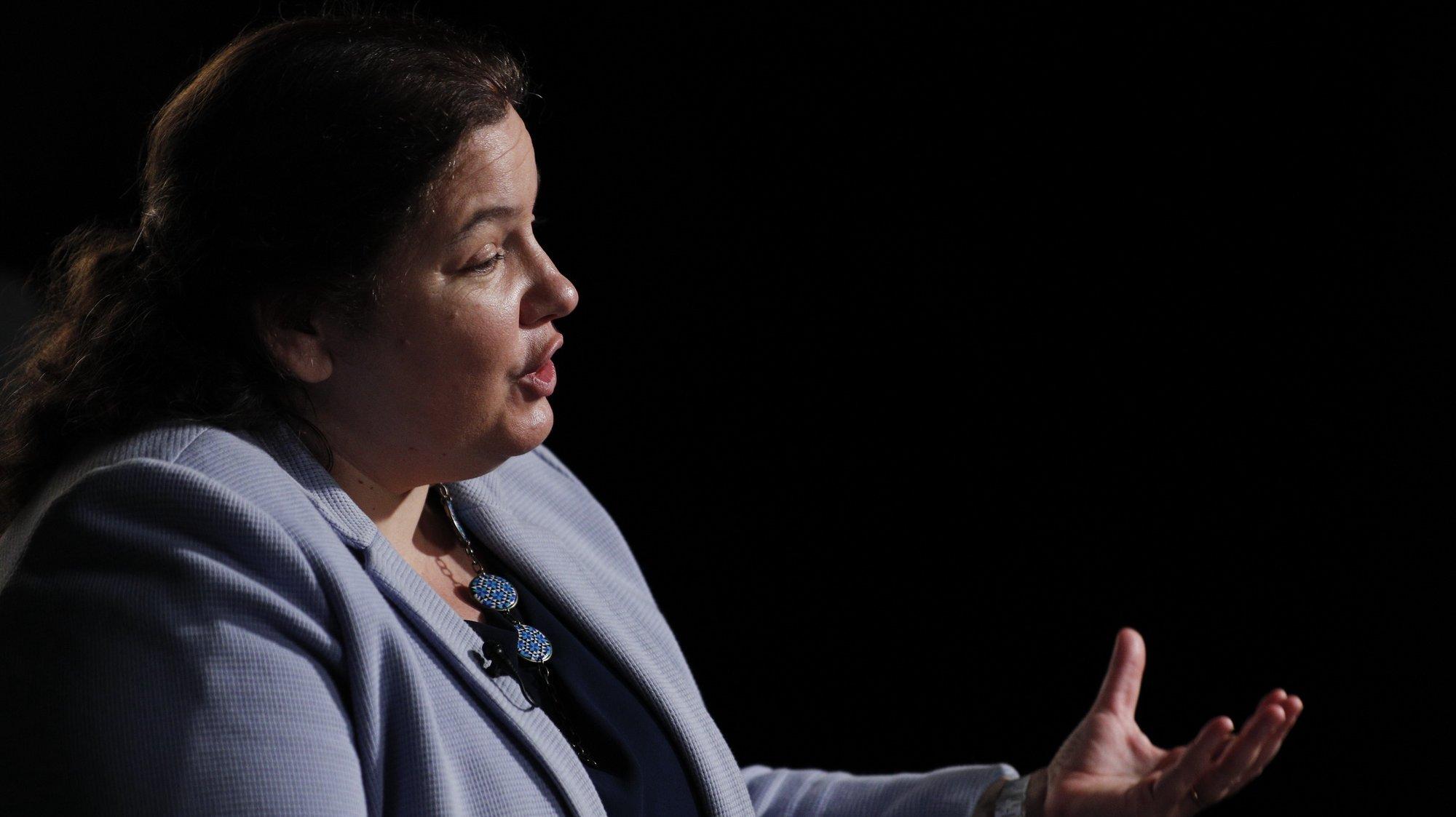 A ministra da Modernização do Estado e da Administração Pública, Alexandra Leitão, durante a entrevista à Agência Lusa, Lisboa, 18 de junho de 2021.  (ACOMPANHA TEXTO DO DIA 21 DE  JUNHO DE 2021) ANTÓNIO COTRIM/LUSA