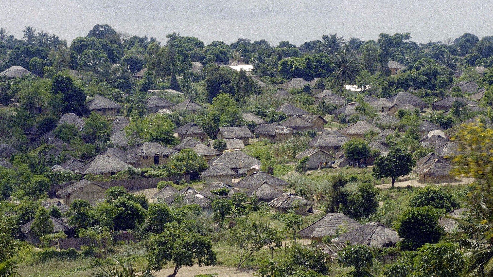 Aldeia moçambicana na Provincia de Nampula, Moçambique a 1 de maio de 1997.  António Cotrim / Lusa