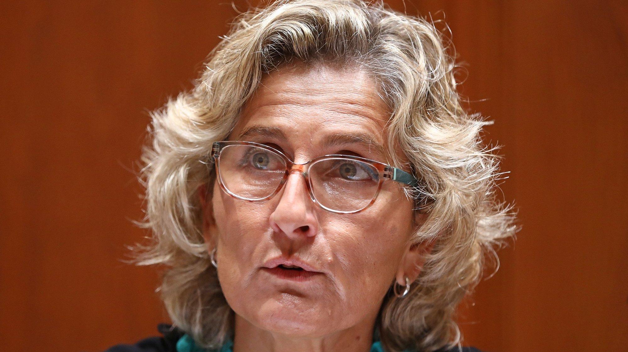 A ministra da Coesão Territorial, Ana Abrunhosa, intervém na sua audição conjunta com as comissões de Economia, Inovação, Obras Públicas e Habitação e de Administração Pública, Modernização Administrativa, Descentralização e Poder Local, no âmbito da apreciação, na especialidade, do Orçamento do Estado para 2021, na Assembleia da República, em Lisboa, 04 de novembro de 2020. ANTÓNIO PEDRO SANTOS/LUSA