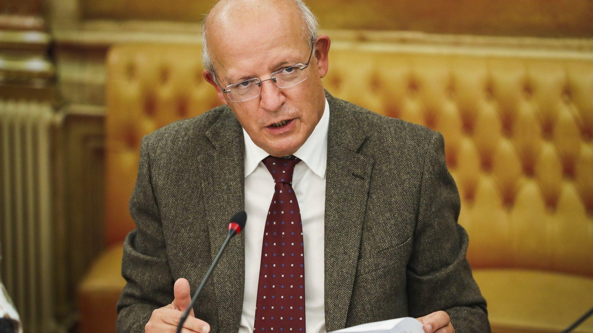 O ministro dos Negócios Estrangeiros, Augusto Santos Silva, durante a sua audição na Comissão de Assuntos Europeus, na Assembleia da República, em Lisboa, 28 de outubro de 2020. JOSÉ SENA GOULÃO/LUSA