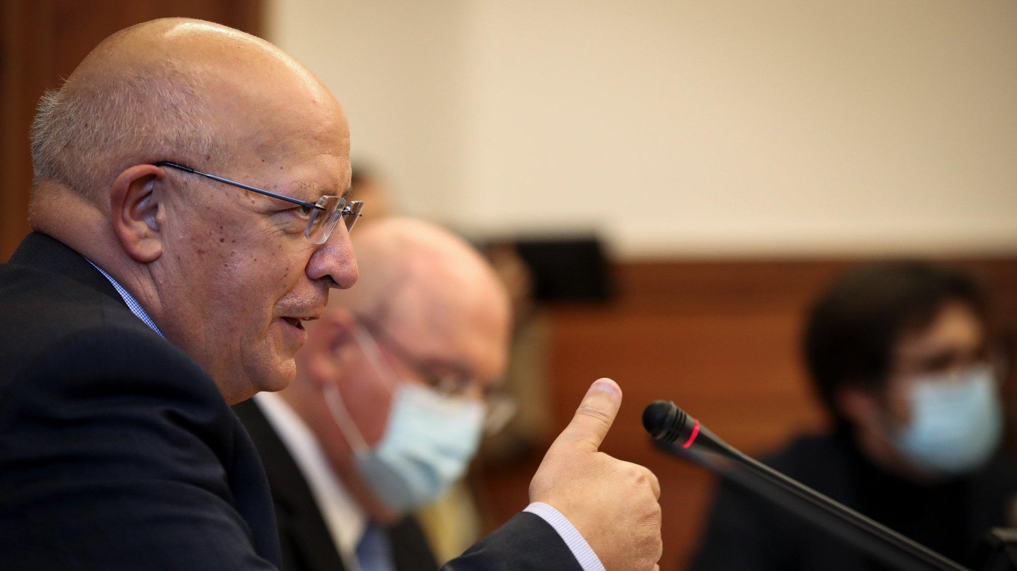 O ministro de Estado e dos Negócios Estrangeiros, Augusto Santos Silva, durante a audição na Comissão de Assuntos Europeus na Assembleia da República, Lisboa, 17 de novembro de 2020.   MANUEL DE ALMEIDA/LUSA
