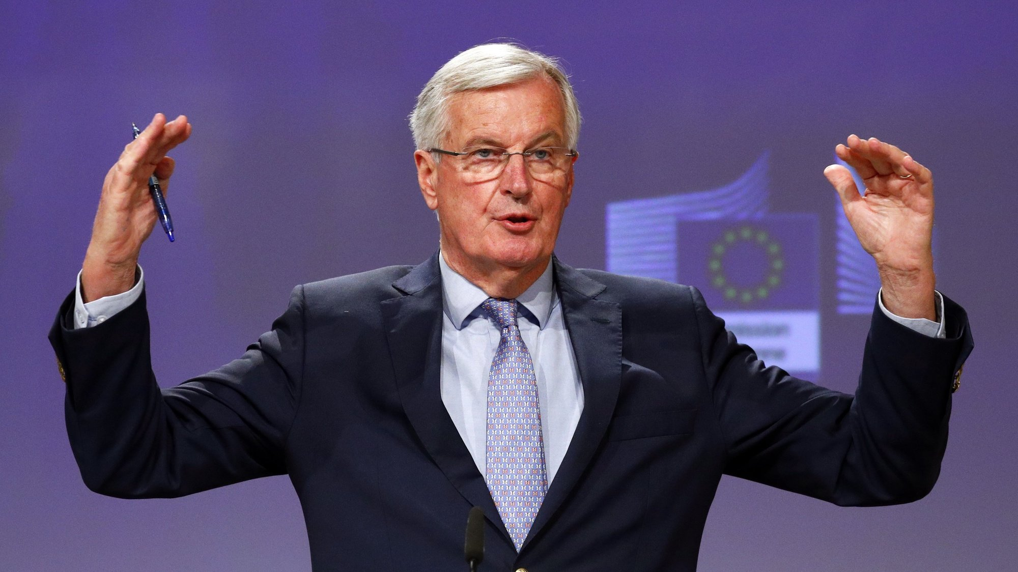 epa08423933 European Commission's Head of Task Force for Relations with the United Kingdom, Michel Barnier gestures during a press conference following the third round of EU - UK Brexit negotiations in Brussels, Belgium, 15 May 2020.  EPA/FRANCOIS LENOIR / POOL