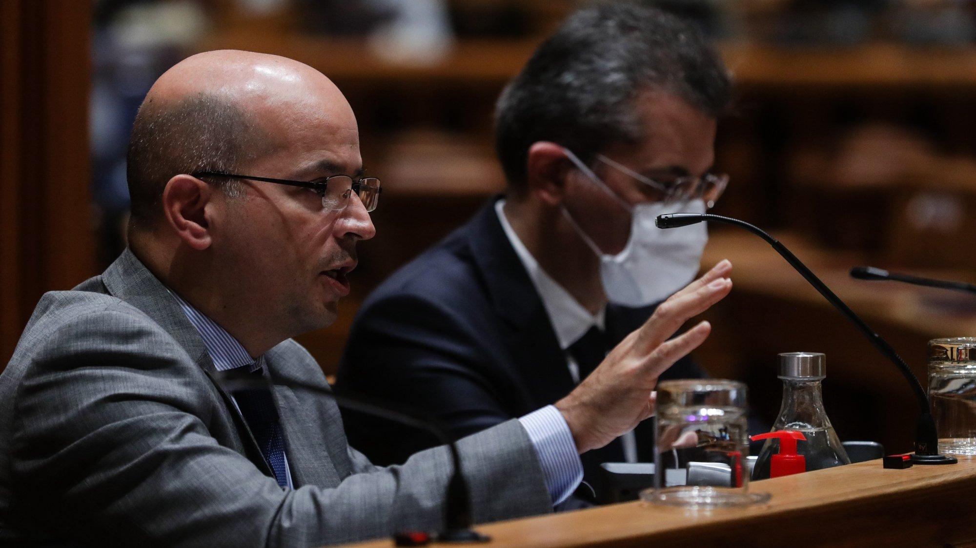 O ministro de Estado e das Finanças, João Leão, durante a audição perante a Comissão de Orçamento e Finanças, na Assembleia da República em Lisboa, 12 de novembro de 2020. TIAGO PETINGA/LUSA