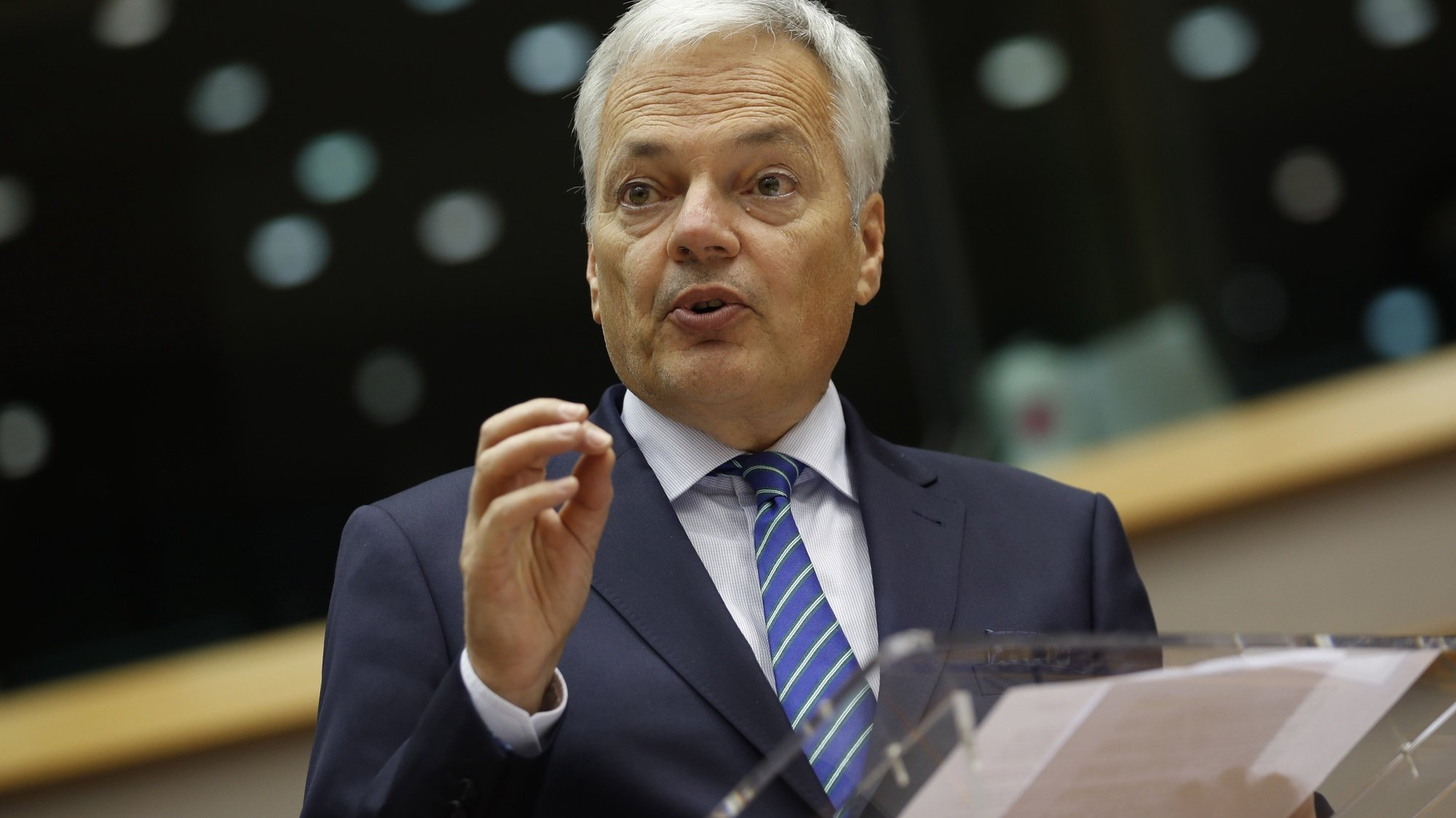 epa08722378 European Commissioner for Justice Didier Reynders addresses European lawmakers on the Establishment of an EU Mechanism on Democracy, the Rule of Law and Fundamental Rights during a plenary session at the European Parliament in Brussels, Belgium, 05 October 2020.  EPA/FRANCISCO SECO / POOL