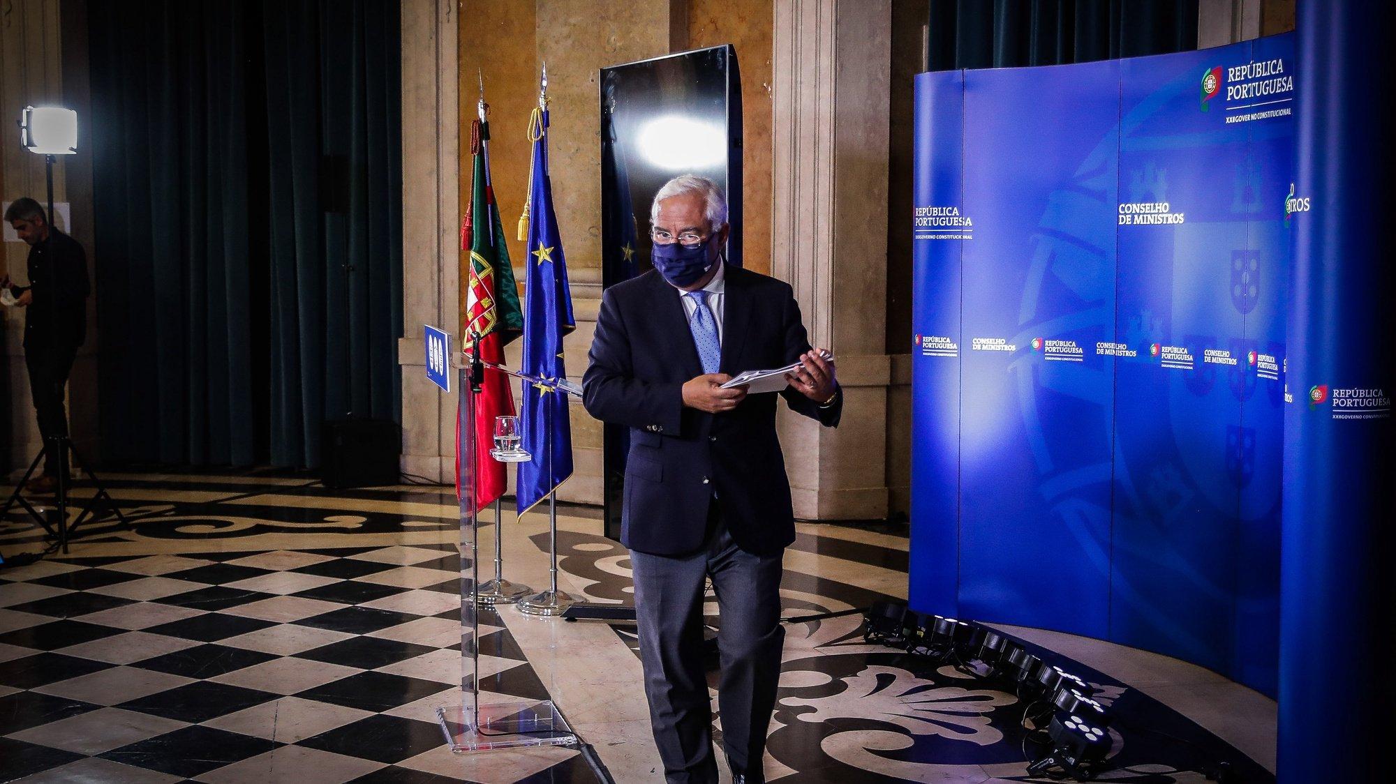 O primeiro-ministro, António Costa, apresenta em conferência de imprensa as conclusões da reunião do Conselho de Ministros extraordinária, realizada no Palácio Nacional da Ajuda, em Lisboa, 21 de novembro de 2020. MÁRIO CRUZ/LUSA
