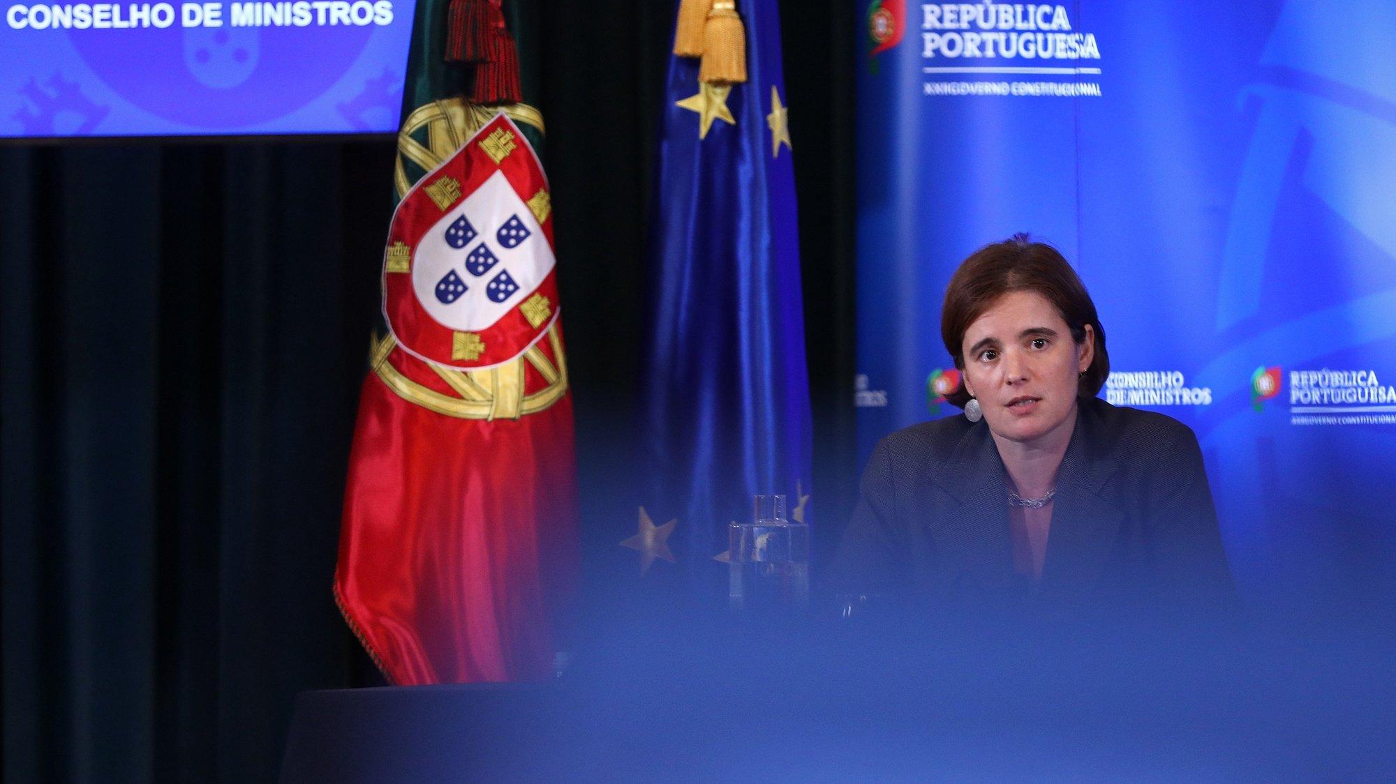 A ministra da Presidência do Conselho de Ministros, Mariana Vieira da Silva, intervém durante a conferência de imprensa sobre a reunião do Conselho de Ministros, no Palácio de Ajuda, em Lisboa, 08 de outubro de 2020. O Conselho de Ministros deve aprovar o Orçamento do Estado para 2021, que incluirá a primeira fase da execução dos investimentos previstos no Plano de Recuperação e Resiliência e no Portugal 2030. ANTÓNIO PEDRO SANTOS/LUSA