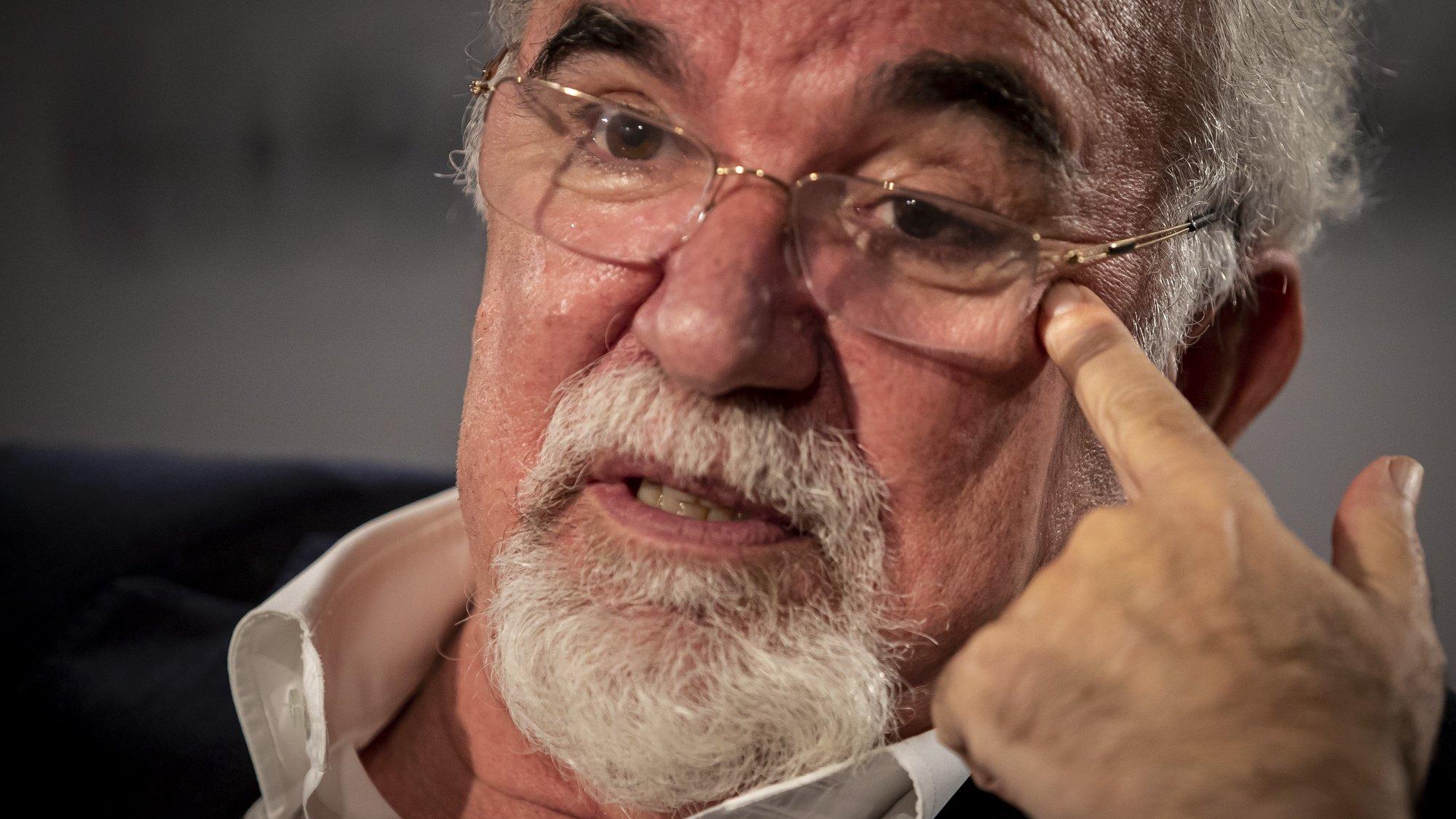 José António Vieira da Silva, ex-ministro do Trabalho e conselheiro da Comissão Europeia para os direitos sociais durante a presidência portuguesa da UE, no primeiro semestre de 2021, fala durante uma entrevista à Lusa, na sede da agência, em Lisboa, 25 de novembro de 2020. (ACOMPANHA TEXTO DA LUSA DO DIA 28 DE NOVEMBRO DE 2020). JOSÉ SENA GOULÃO/LUSA
