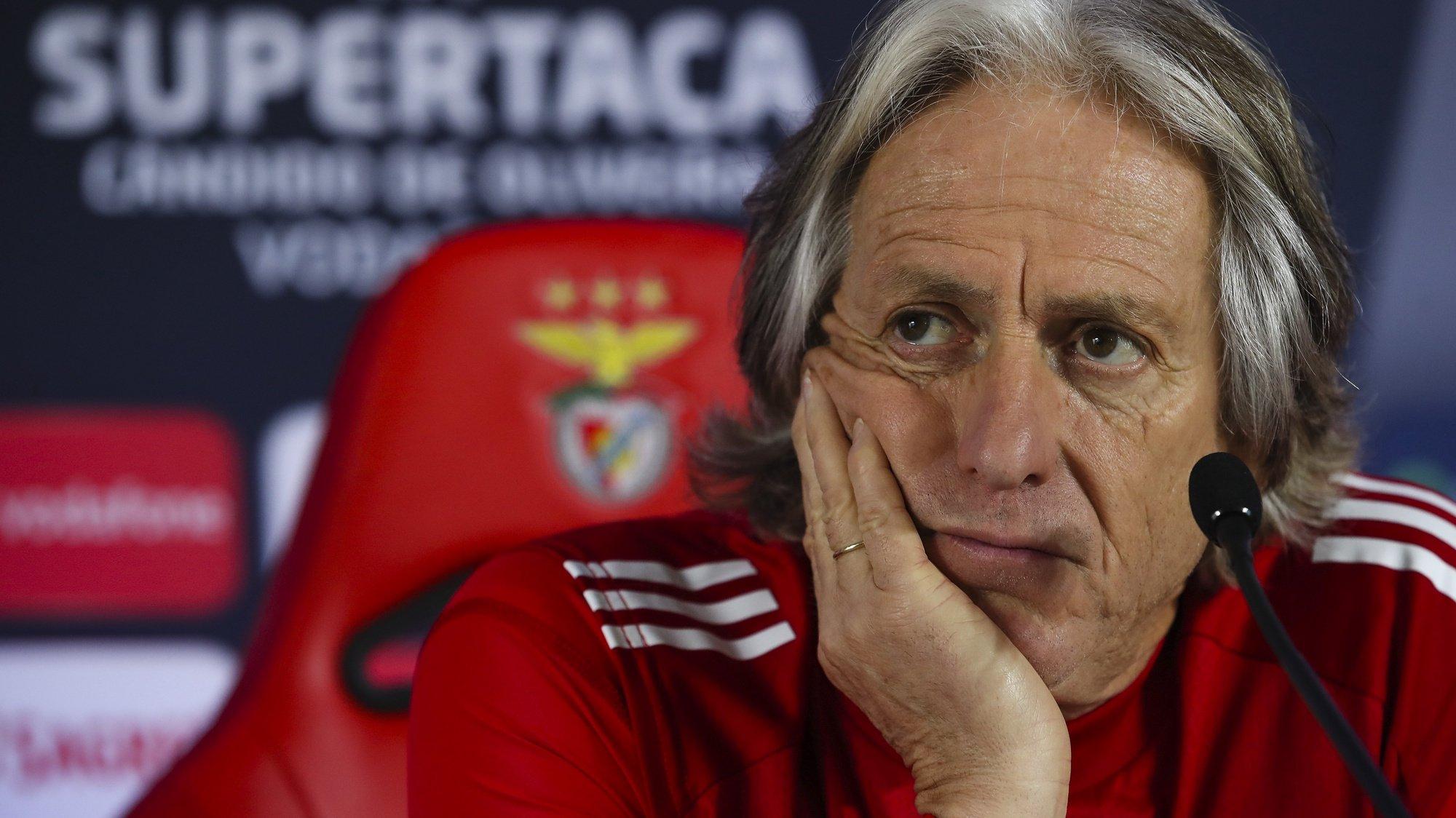 Conferência de imprensa do treinador do Benfica, Jorge Jesus, de antevisão do jogo com o FC Porto para a Supertaça Cândido de Oliveira, em Ílhavo, 22 de dezembro 2020. JOSÉ COELHO/LUSA