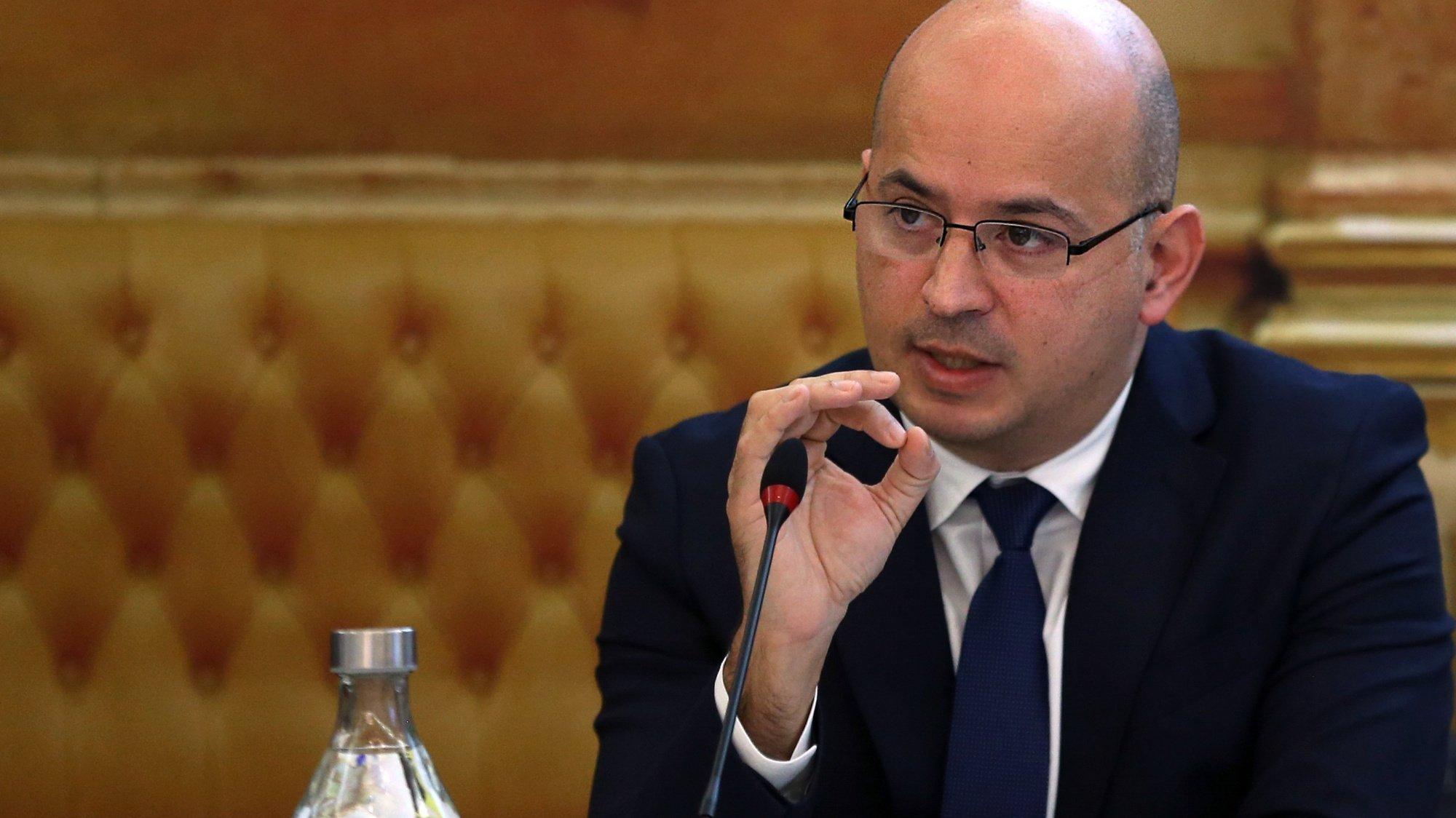 O ministro de Estado e das Finanças, João Leão, durante a audição na Comissão do Orçamento e Finanças da Assembleia da República, Lisboa, 09 de fevereiro de 2021.   MANUEL DE ALMEIDA/LUSA