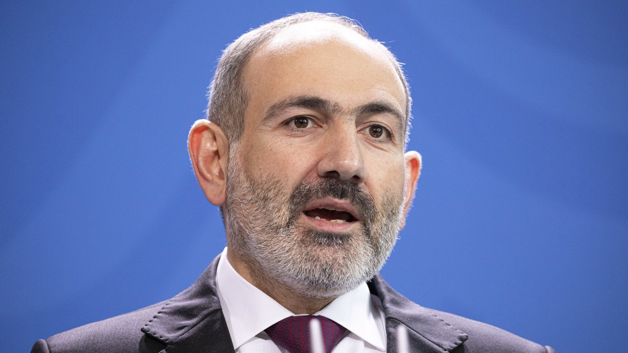 epa09103232 (FILE) - Prime Minister of Armenia Nikol Pashinyan delivers a statement prior to a meeting with German Chancellor Merkel (not pictured) at the Chancellery in Berlin, Germany, 13 February 2020 (Reissued 28 March 2021). Armenian Prime Minister Pashinyan announced on 28 March during a visit to the Armavir region, that he would resign from his position in April ahead of early parliamentary elections.  EPA/OMER MESSINGER *** Local Caption *** 55871945