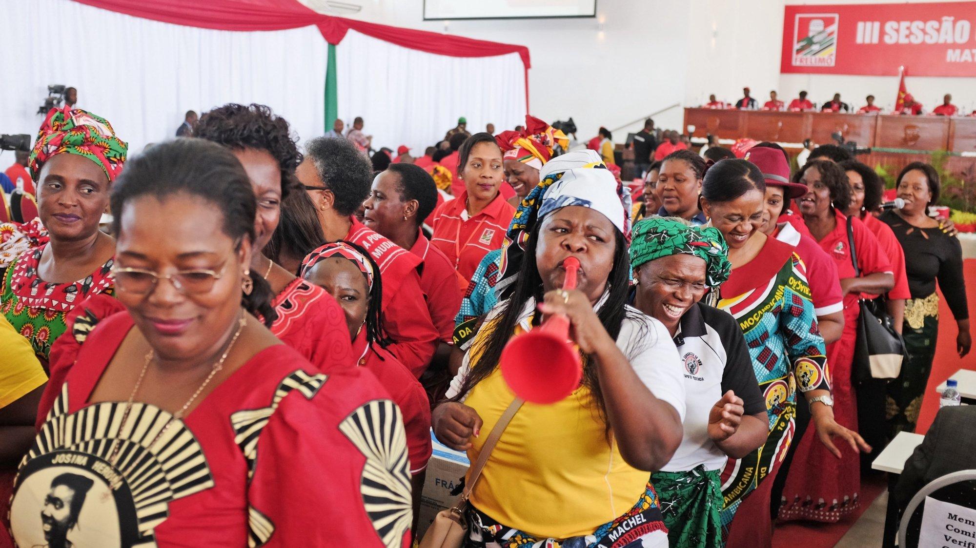 Membro do Comité Central da Frelimo durante a reunião do Comité Central do Partido Frelimo, em Maputo, Moçambique, 03 de maio de 2019. ANTÓNIO SILVA/LUSA