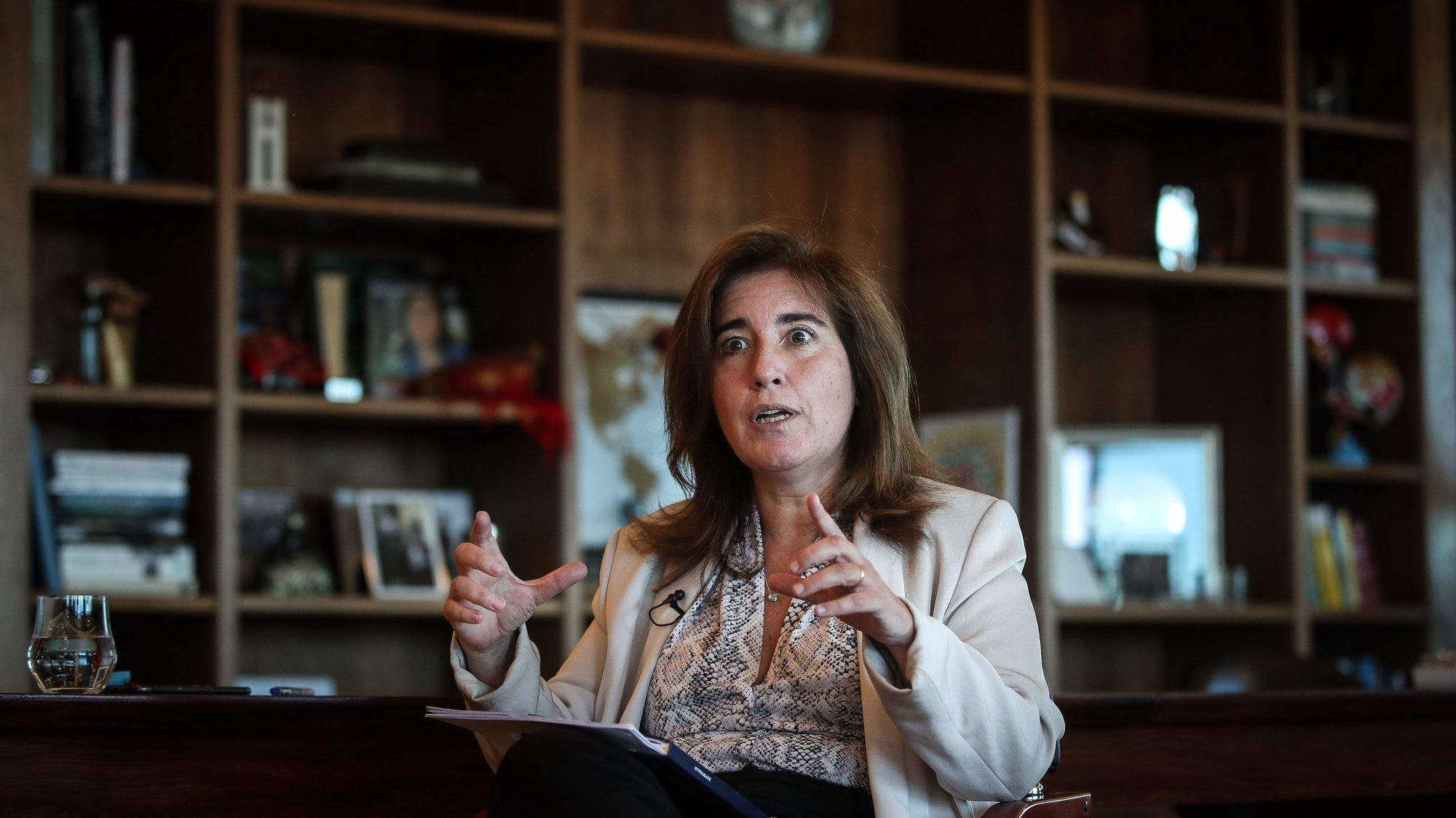 A ministra do Trabalho, Solidariedade e Segurança Social, Ana Mendes Godinho, durante uma entrevista à agência Lusa, em Lisboa, 02 de julho de 2021. (ACOMPANHA TEXTO DA LUSA DO DIA 04 DE JULHO DE 2021). MÁRIO CRUZ/LUSA