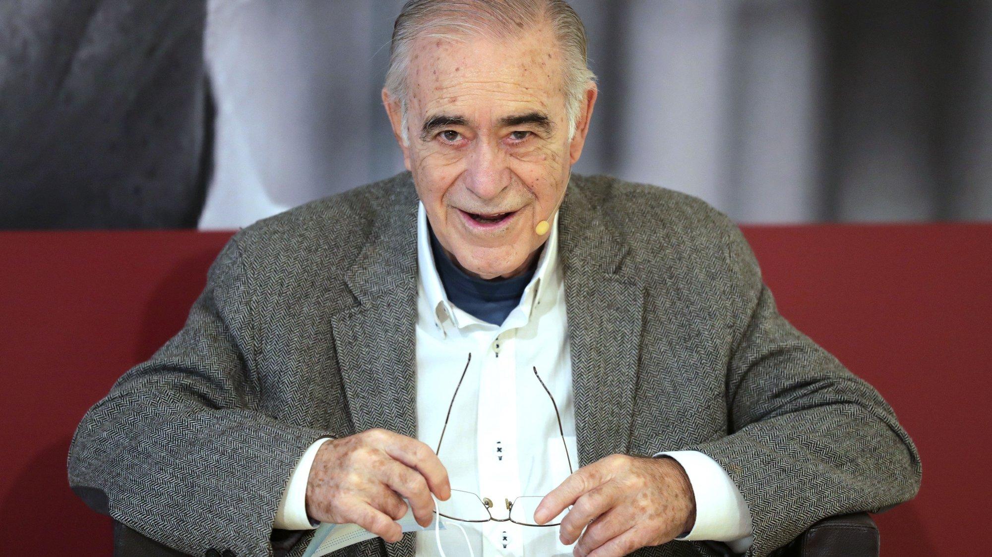 Mário Zambujal, autor homenageado na 13.º edição do Festival Escritaria promovida pela Câmara Municipal de Pernafiel, realizada no Museu Municipal de Penafiel, 23 de outubro de 2020. ESTELA SILVA/LUSA