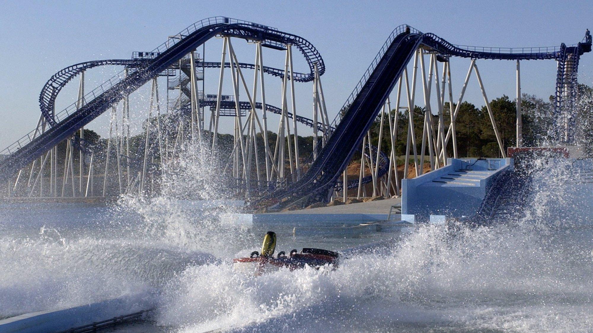A maior montanha russa aquatica da Europa, localizada no parque aquatico Aquashow no concelho de Loule, Algarve, Quinta-feira 24 de Maio de 2006. (ACOMPANHA TEXTO). LUIS FORRA / LUSA