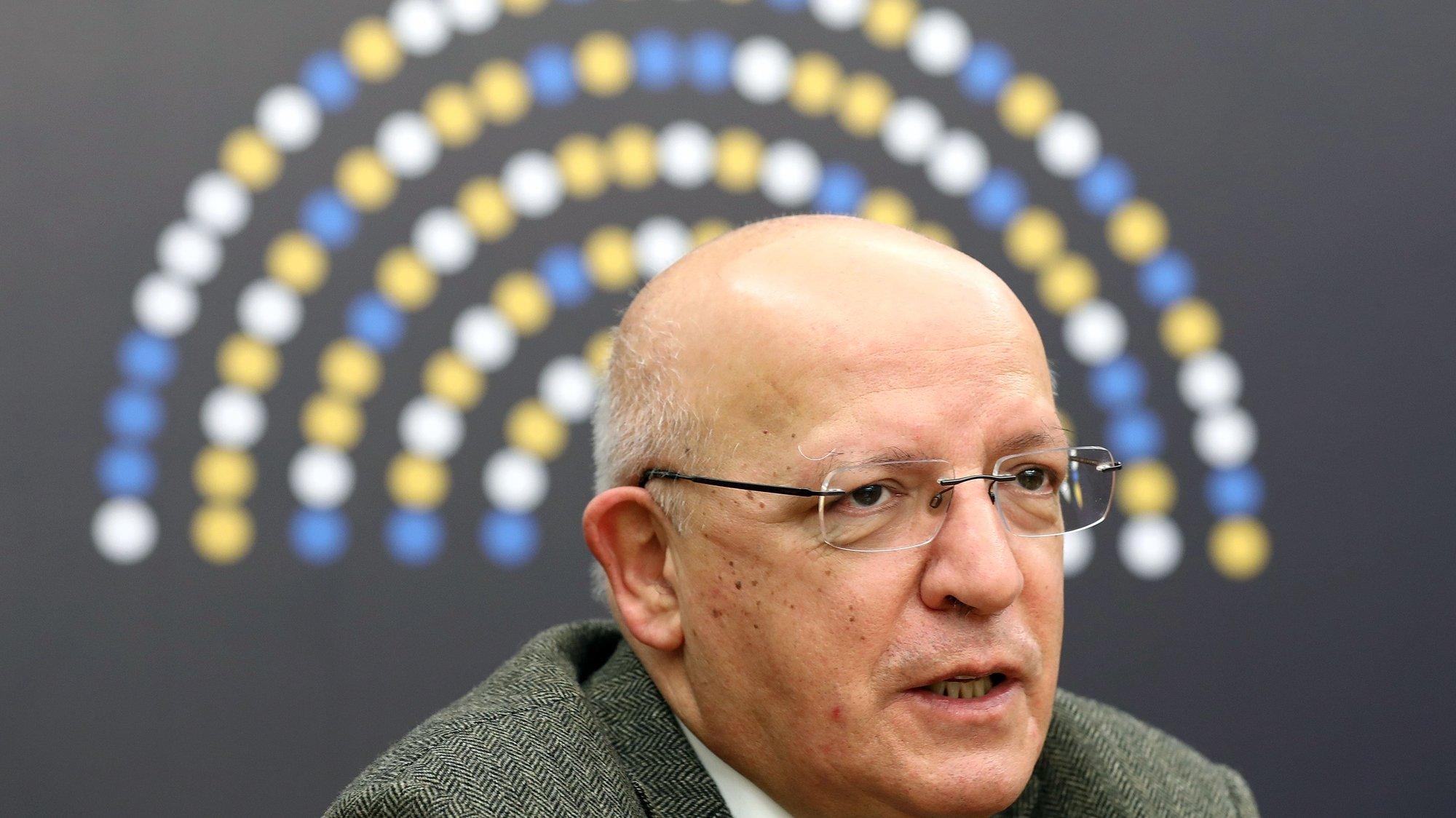 O ministro de Estado e dos Negócios Estrangeiros, Augusto Santos Silva, intervém durante a conferência dos Órgãos Especializados em Assuntos da União dos Parlamentos da UE (COSAC), no âmbito da Dimensão Parlamentar da Presidência Portuguesa do Conselho da União Europeia, em Lisboa, 11 de janeiro de 2021. ANTÓNIO PEDRO SANTOS/LUSA