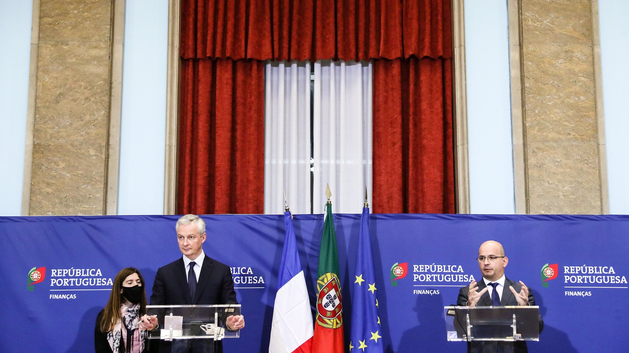 French Economy and Finance minister, Bruno Le Maire (L), during the press conference after his meeting with his Portuguese counterpart, Joao Leao (R), at the Finance ministry in downtown Lisbon, Portugal, 03rd November 2020. TIAGO PETINGA/LUSA