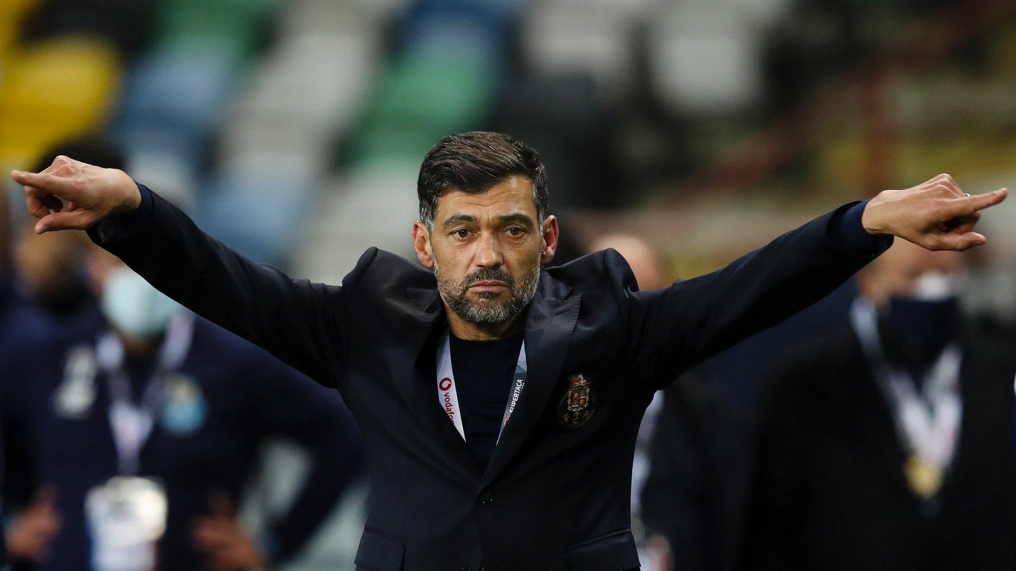 FC Porto's head coach Sergio Conceicao celebrates after winning the Portuguese Candido de Oliveira Supercup soccer match against Benfica (2-0), held at Aveiro Municipal Stadium, in Aveiro, Portugal, 23 December 2020. JOSE COELHO/LUSA