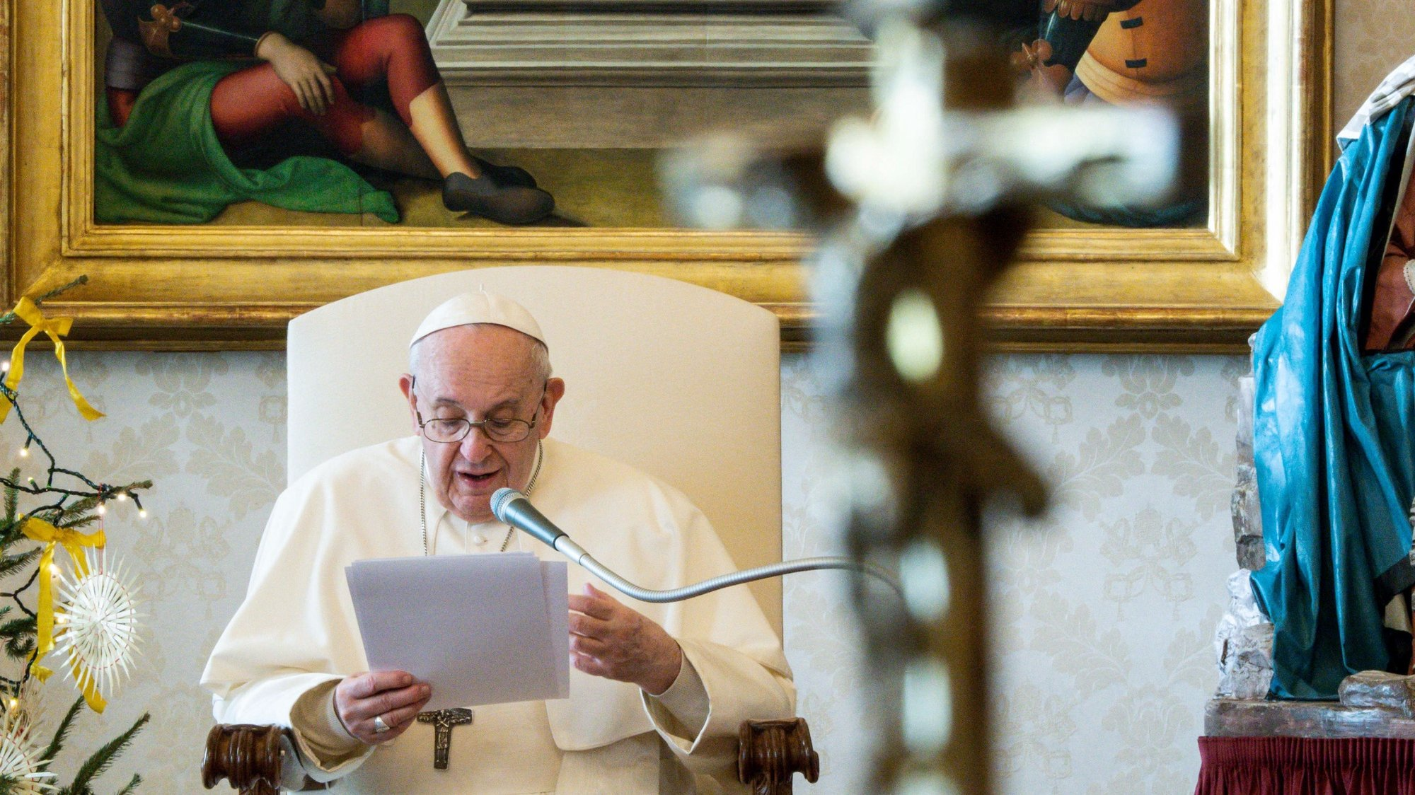 epa08911015 A handout picture provided by the Vatican Media shows Pope Francis during his weekly general audience held inside the Library of the Apostolic Palace, in Vatican City, 30 December 2020.  EPA/VATICAN MEDIA HANDOUT  HANDOUT EDITORIAL USE ONLY/NO SALES