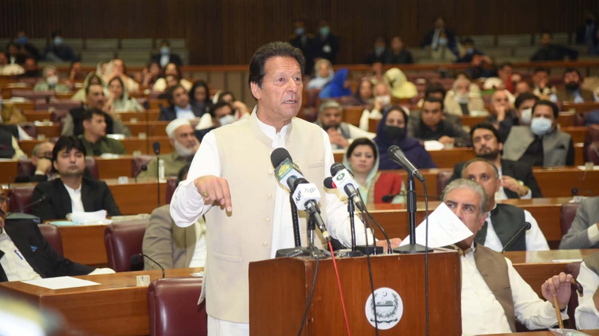 epa09056536 A handout photo made available by the Press Information Department PID shows Prime Minister Imran Khan addressing National Assembly after getting vote of confidence session in Islamabad, Pakistan, 06 March 2021. Pakistan Prime Minister Imran Khan won a vote of confidence in the lower of parliament on 06 March, in a session boycotted by the opposition. Imran Khan, who came to power in mid-2018, secured 178 votes, six more than needed to win the confidence of the 342-member house, according to National Assembly speaker Asad Qaiser.  EPA/PRESS INFORMATION DEPARTMENT HANDOUT  HANDOUT EDITORIAL USE ONLY/NO SALES