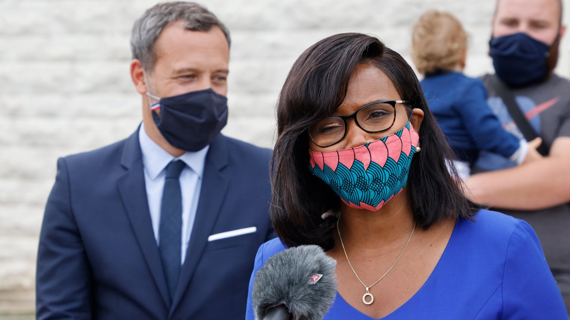 epa08691000 French Minister of State for Children and Families Adrien Taquet (L) and French Junior Minister of Gender Equality Elisabeth Moreno (R) address journalists after a visit to a Mother and Child Protection Centre (PMI) in Longjumeau, in the southern suburbs of Paris, France, 23 September 2020.  EPA/LUDOVIC MARIN / POOL  MAXPPP OUT