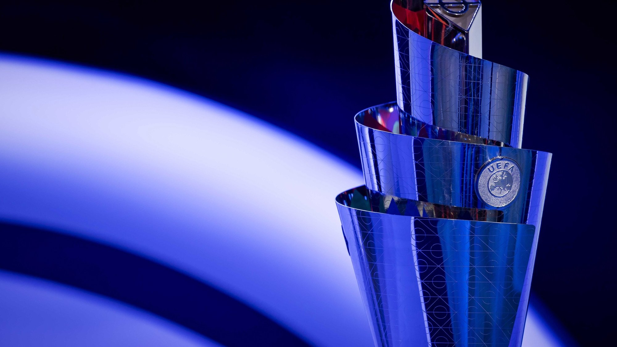 epa08267466 The Trophy on display during the UEFA Nations League 2020-21 Draw for the League A in Amsterdam, The Netherlands, 03 March 2020.  EPA/ROBIN VAN LONKHUIJSEN