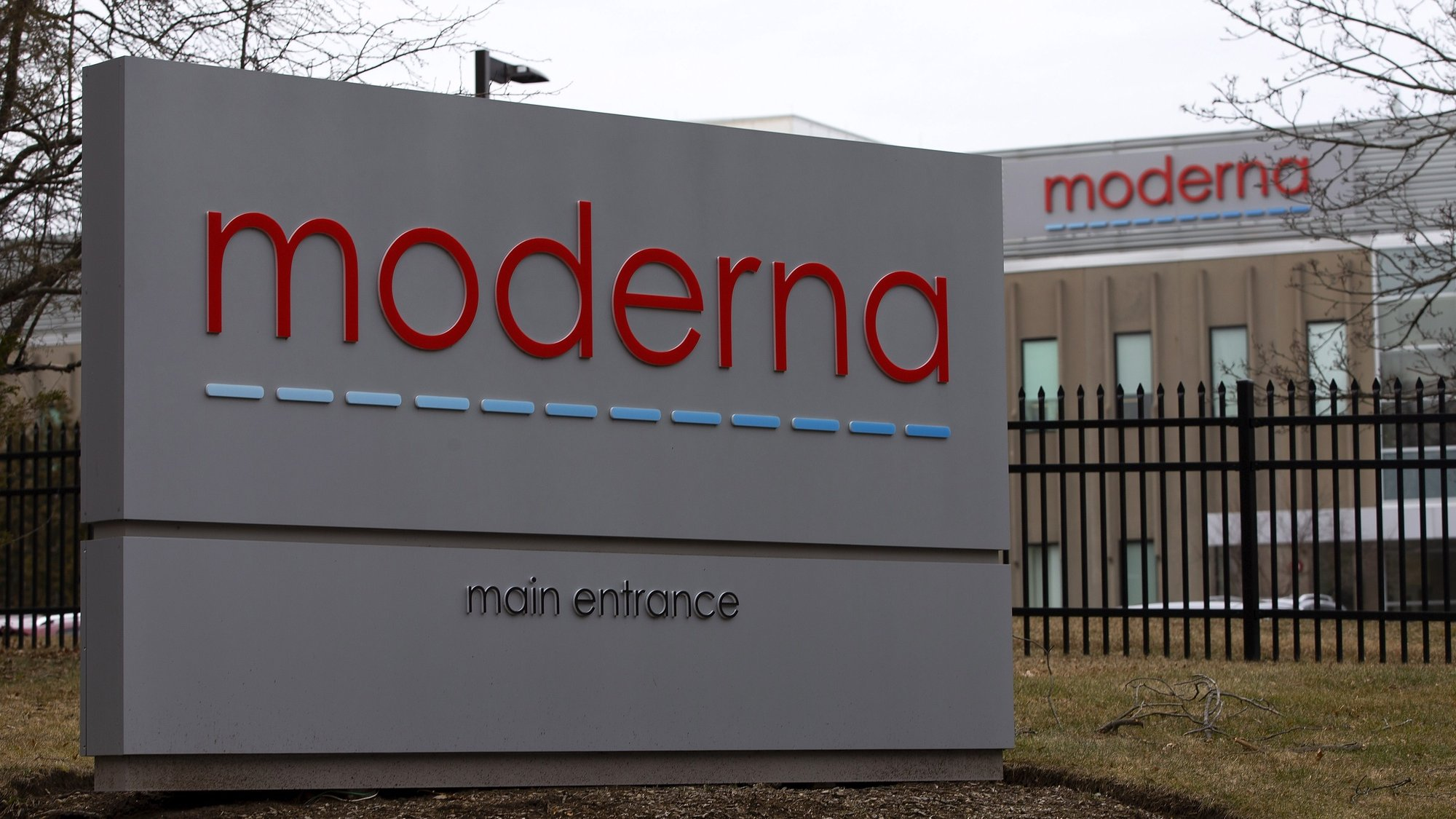 epa08852847 (FILE) - Signs at the main entrance for the biotech firm Moderna, are seen outside the company's Norwood facilities in Norwood, Massachusetts, USA 25 February 2020 (reissued 30 November 2020). US Biotech firm Moderna Inc.is filing for US regulatory approval of its coronavirus vaccine so that it can be recommended for widespread use, the company announced 30 November 2020.  EPA/CJ GUNTHER