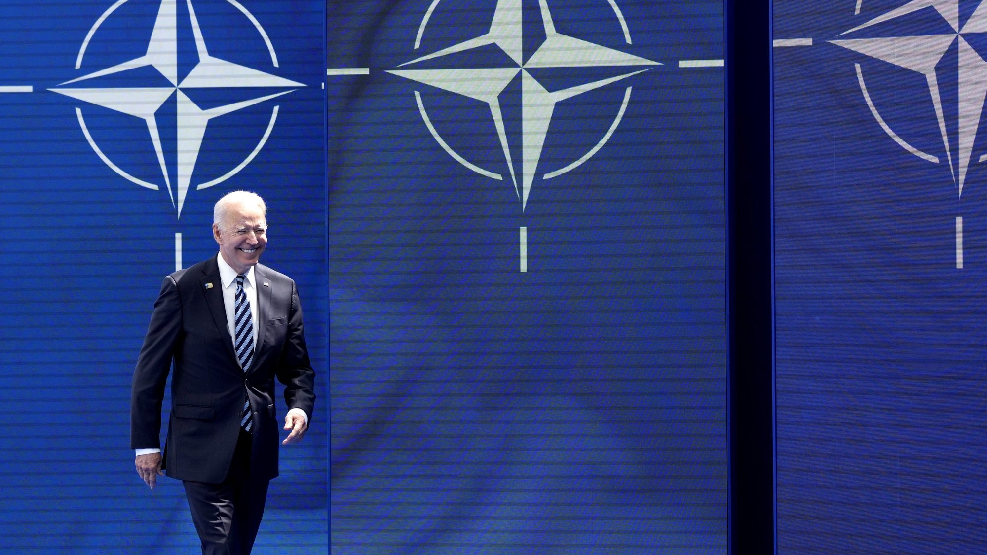 epa09270331 US President Joe Biden arrives for a NATO summit at NATO headquarters in Brussels, Belgium, 14 June 2021. The 30-nation alliance hopes to reaffirm its unity and discuss increasingly tense relations with China and Russia, as the organization pulls its troops out after 18 years in Afghanistan.  EPA/FRANCOIS MORI / POOL