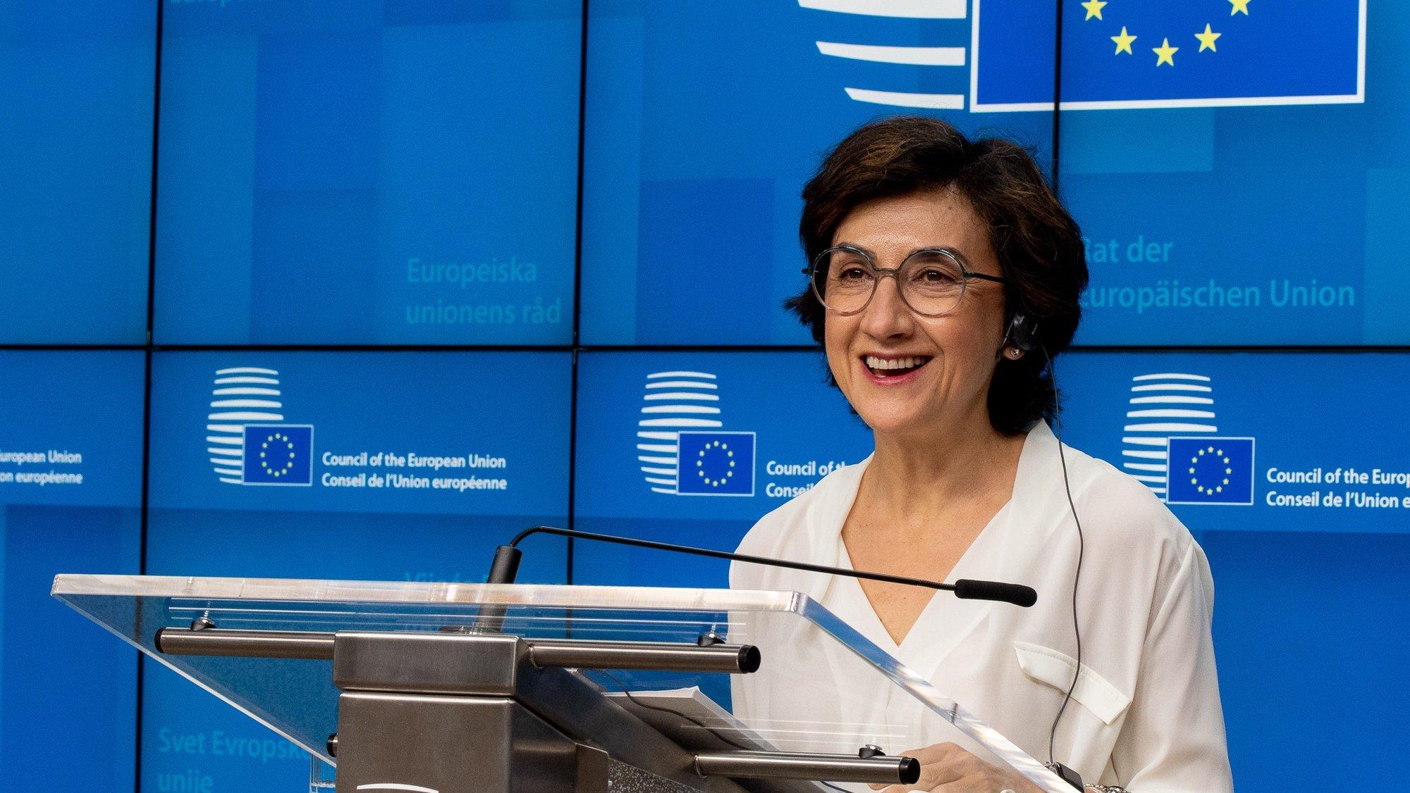 A ministra da Agricultura de Portugal, Maria do Céu Antunes, durante a conferência de imprensa após negociações entre a Conselho da União Europeia e o Parlamento Europeu sobre a reforma Política Agrícola Comum (PAC), em Bruxelas, Bélgica, 28 de maio de 2021. TONY DA SILVA/LUSA