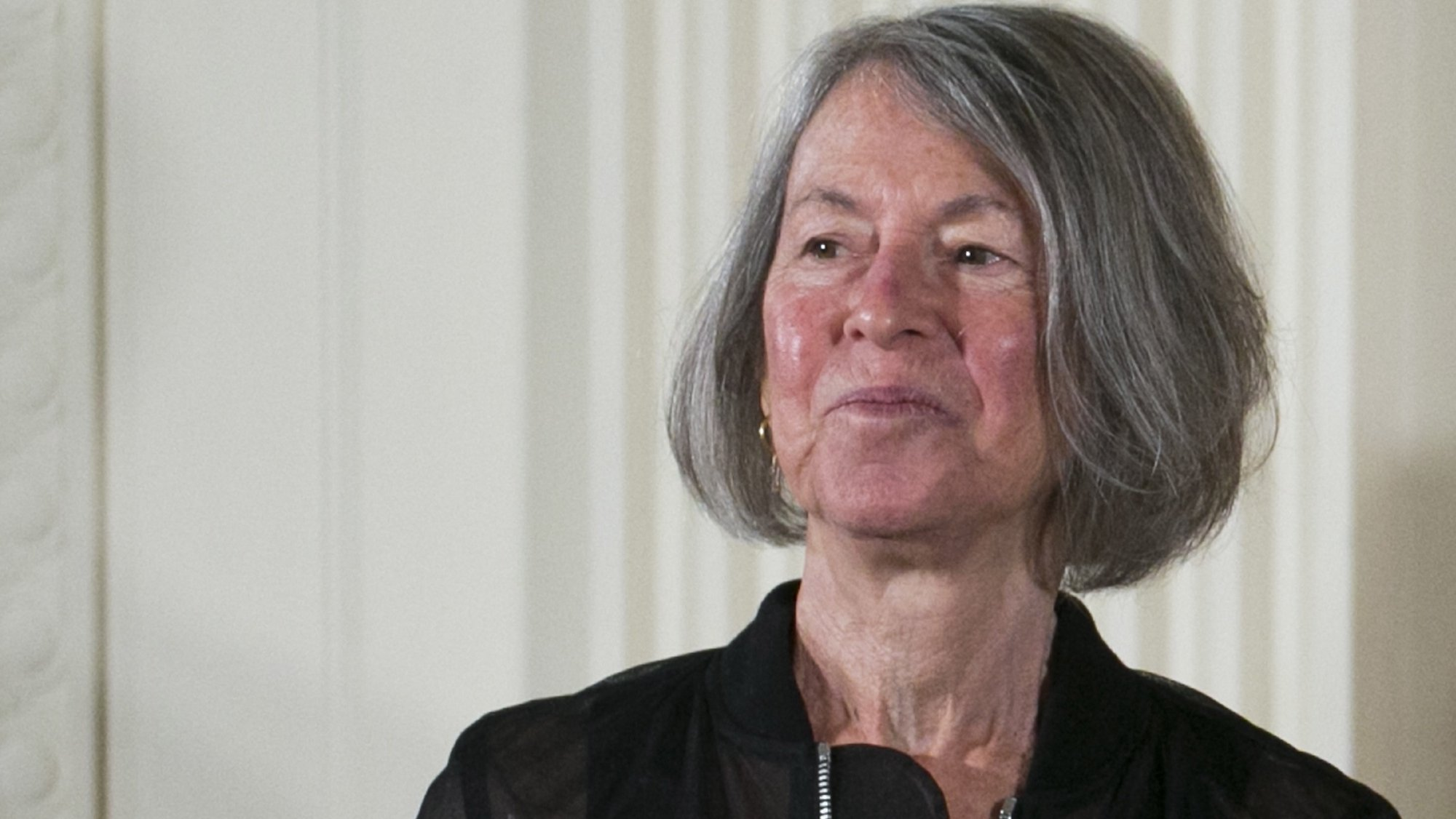 epa08728920 (FILE) - US poet Louise Gluck with the 2015 National Humanities Medal during a ceremony in the East Room of the White House in Washington, DC, USA, 22 September 2016 (reissued 08 October 2020). The 2020 Nobel Prize in Literature has been awarded to Louise Glueck, the Swedish Academy has announced.  EPA/SHAWN THEW *** Local Caption *** 53031868